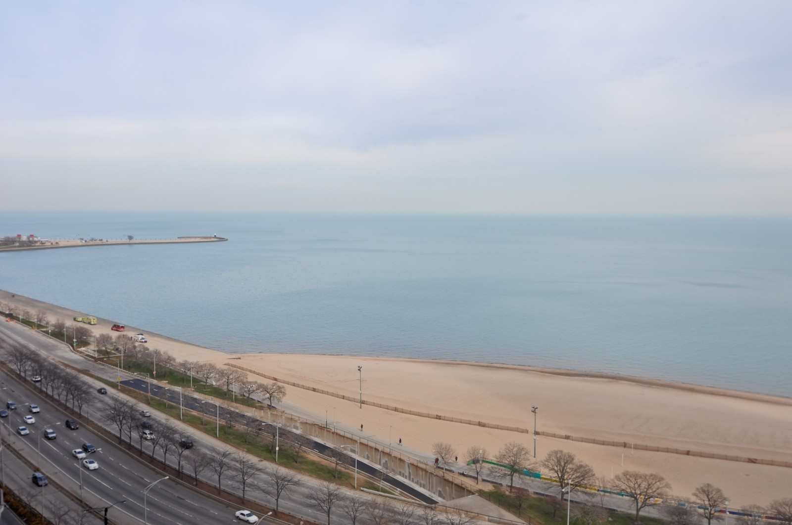 Real Estate Photography - 1000 Lake Shore Dr, Unit 2106, Chicago, IL, 60611 - Lake View