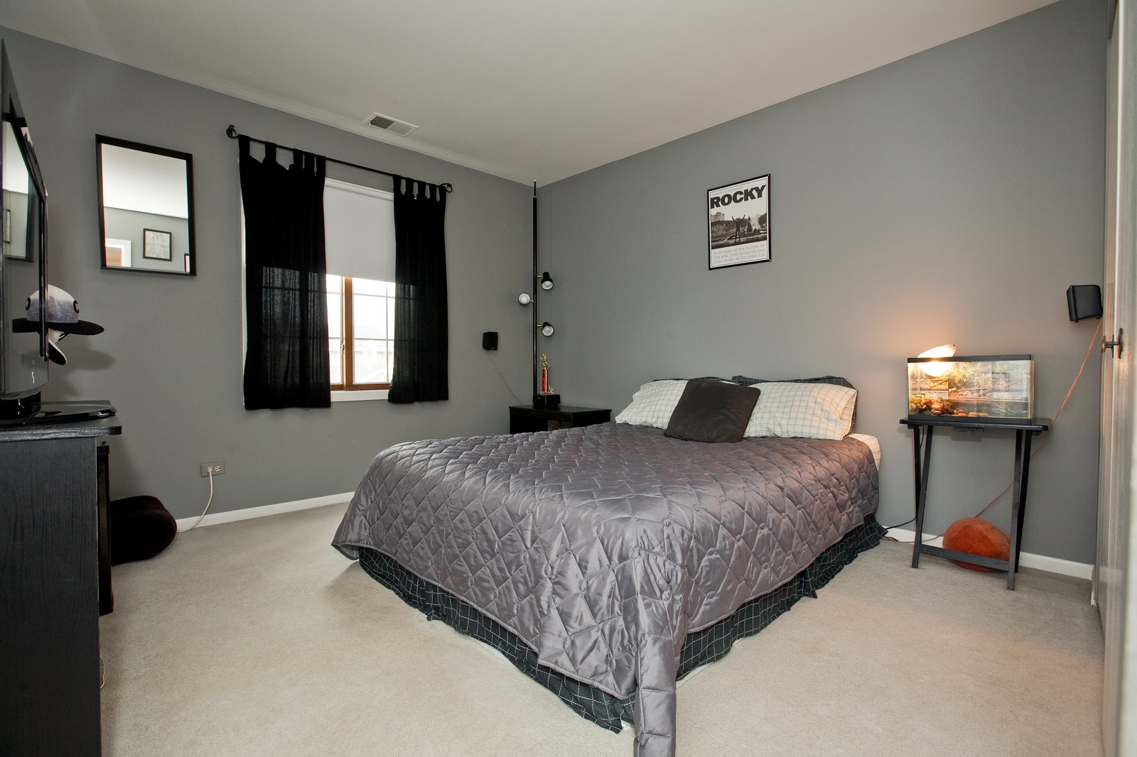 Real Estate Photography - 717 Maplewood Ct, Unit 38-C, Willowbrook, IL, 60527 - 2nd Bedroom