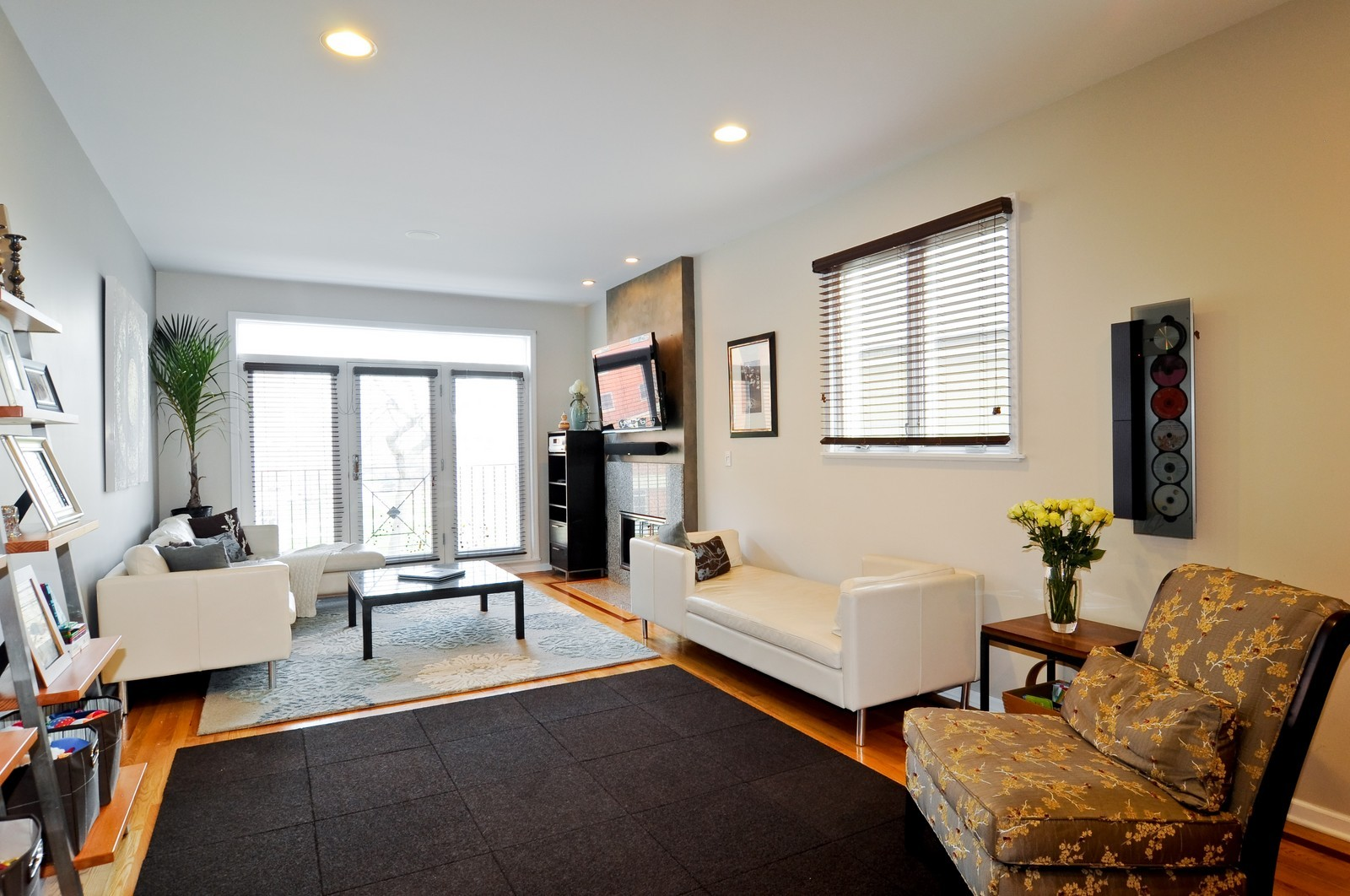 Real Estate Photography - 838-840 Greenview, Chicago, IL, 60642 - Family Room