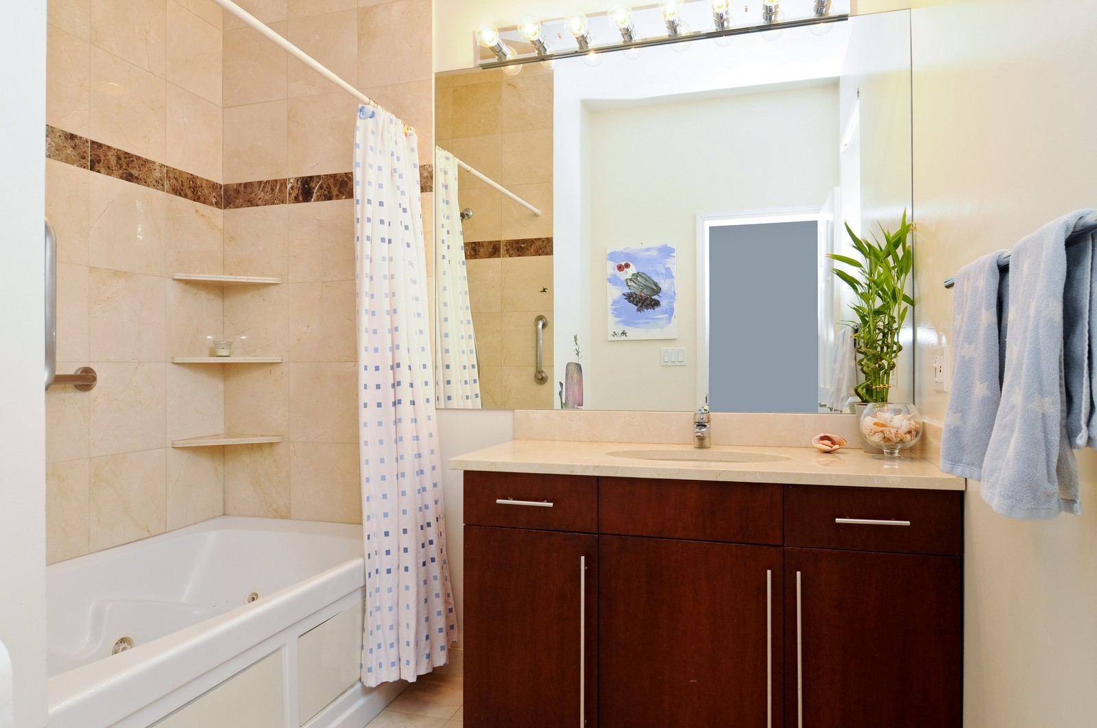 Real Estate Photography - 838-840 Greenview, Chicago, IL, 60642 - Bathroom