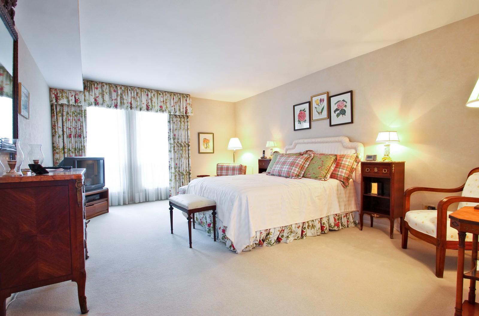 Real Estate Photography - 640 Winnetka Mews, Unit 105, Winnetka, IL, 60093 - Master Bedroom
