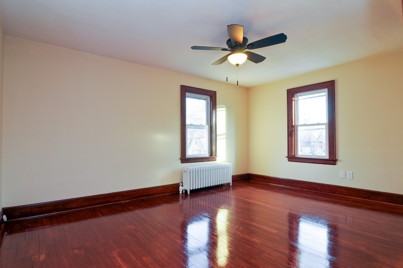 Real Estate Photography - 1516 N Jackson St, Waukegan, IL, 60085 - Master Bedroom