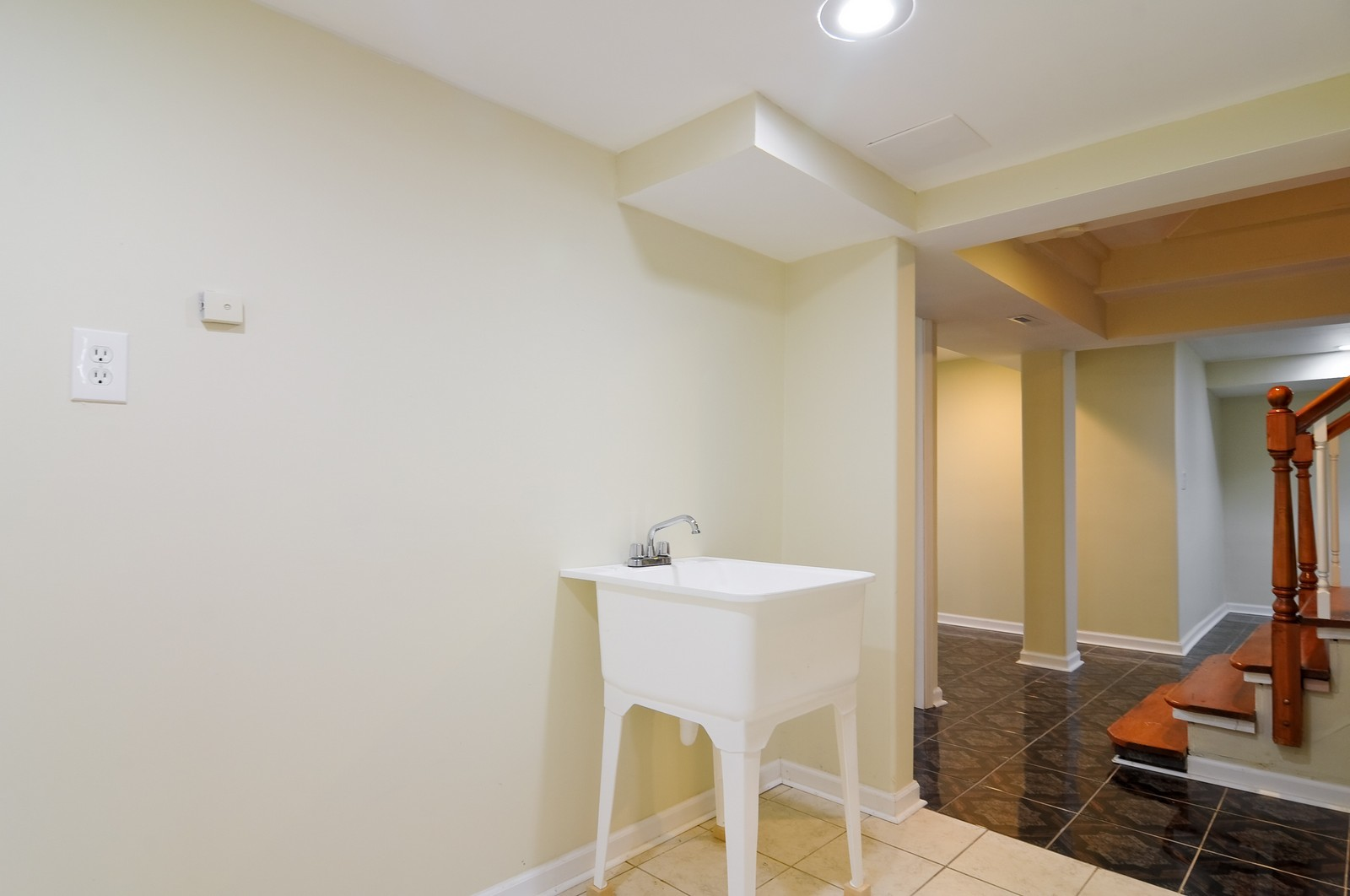 Real Estate Photography - 1516 N Jackson St, Waukegan, IL, 60085 - Laundry Room