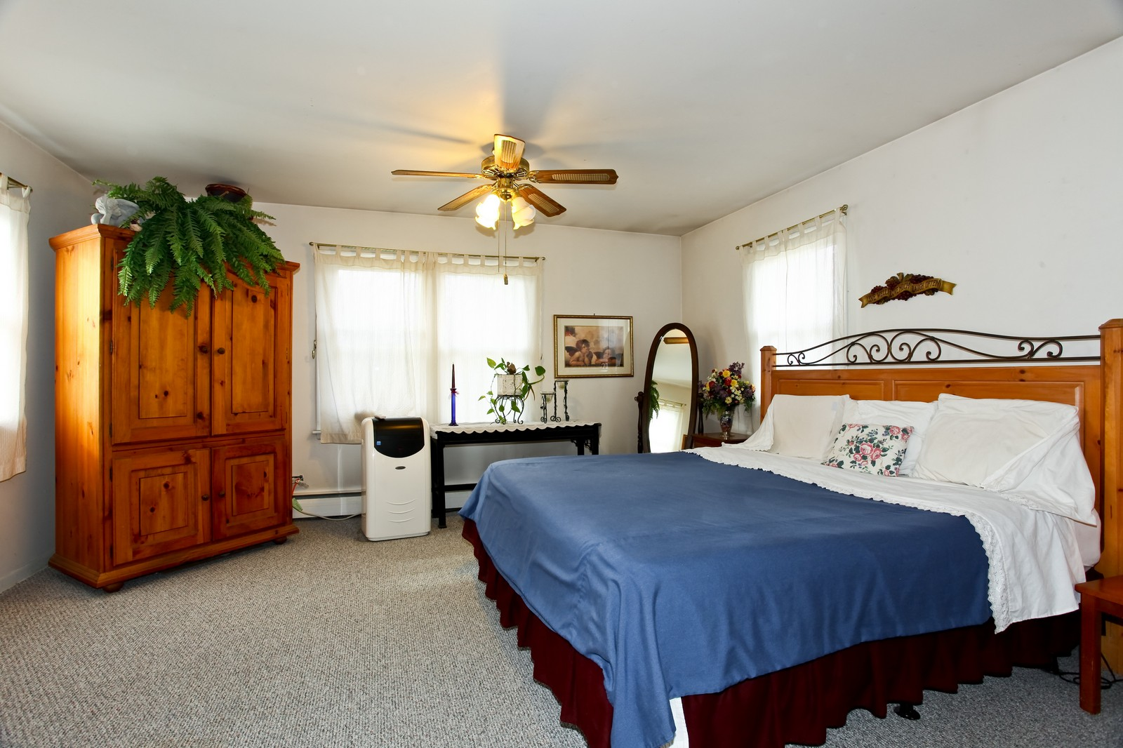 Real Estate Photography - 5710 Essex Rd, Lisle, IL, 60532 - Master Bedroom