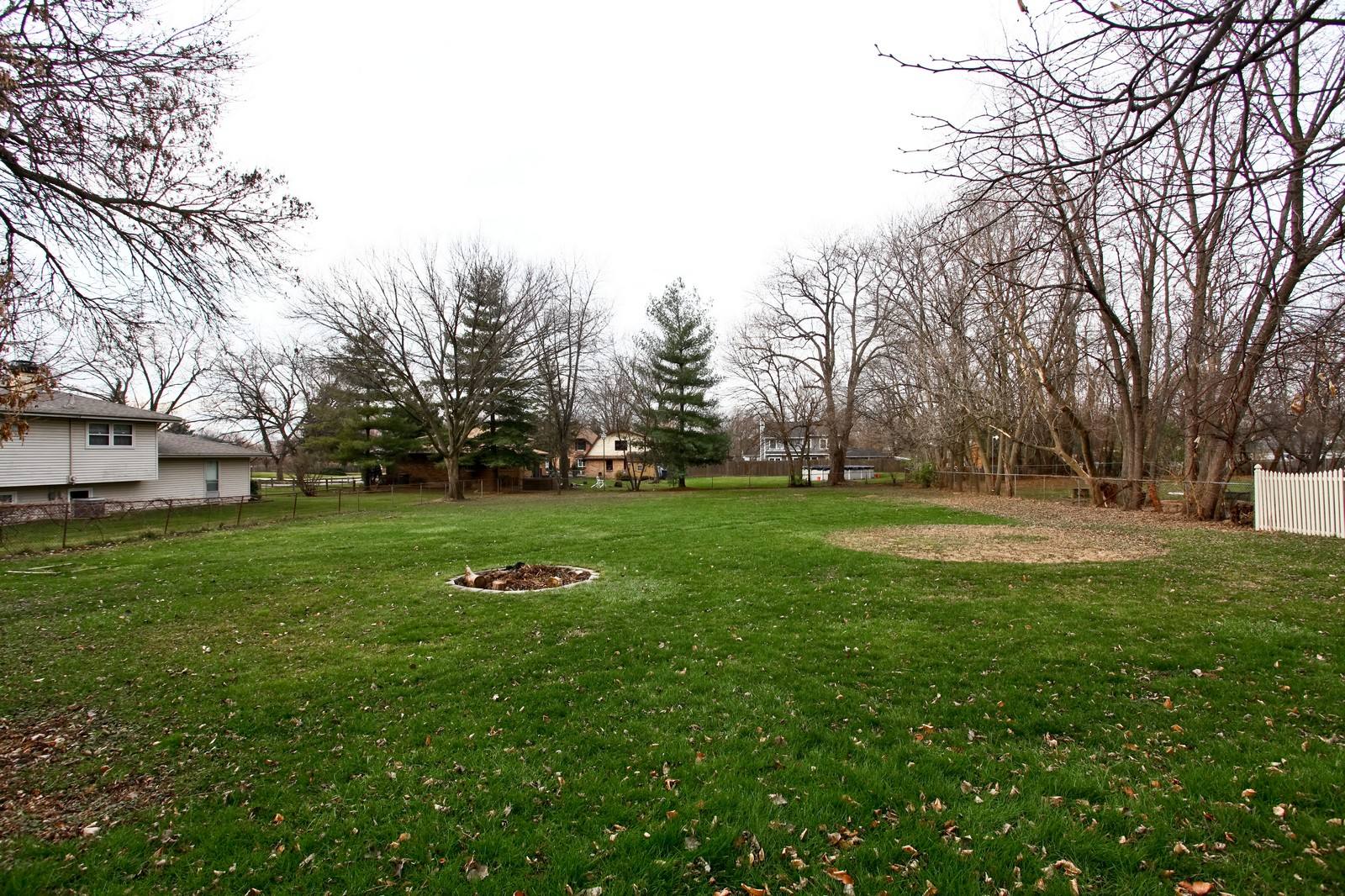 Real Estate Photography - 5710 Essex Rd, Lisle, IL, 60532 - Back Yard