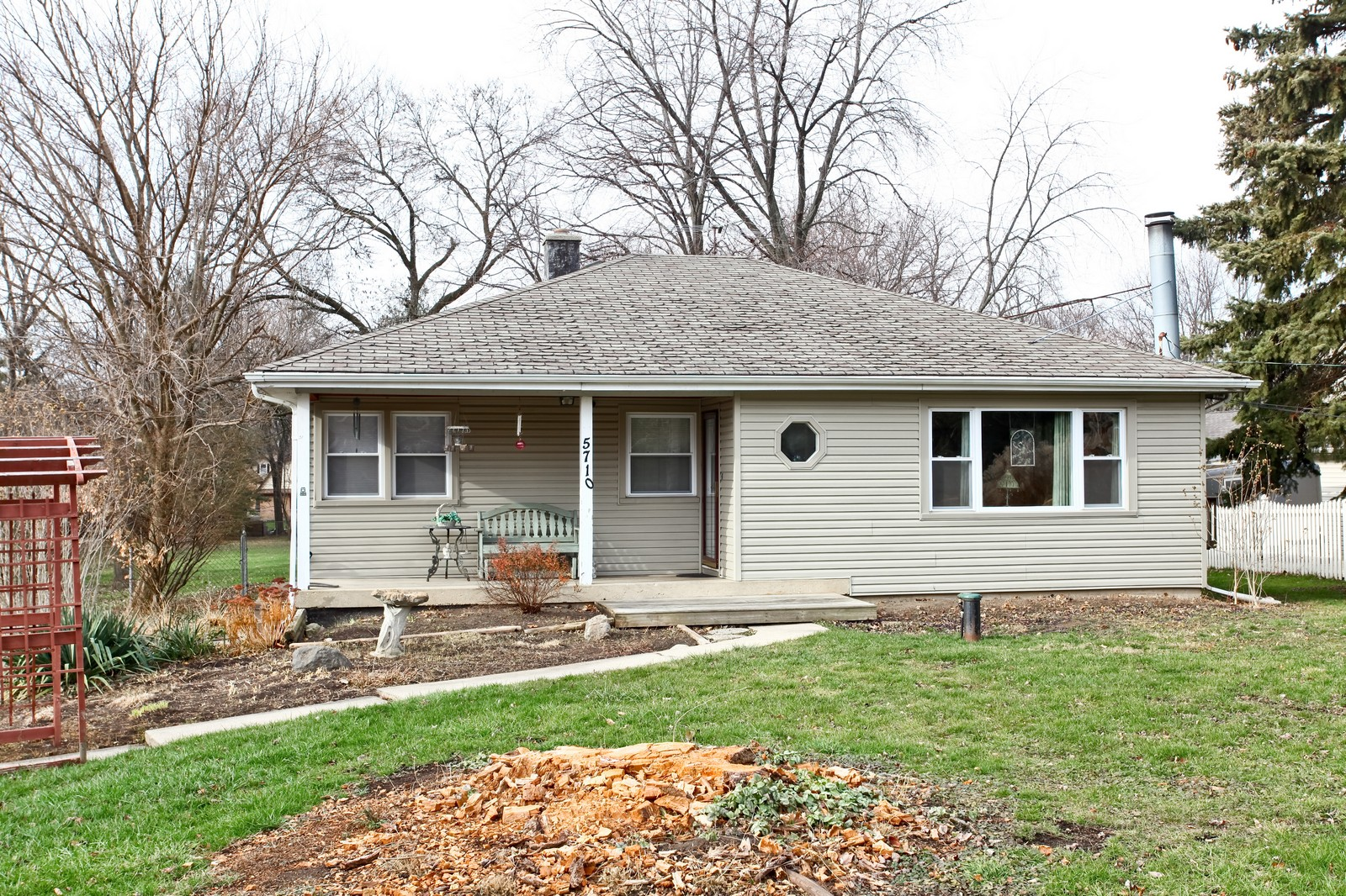 Real Estate Photography - 5710 Essex Rd, Lisle, IL, 60532 - Front View