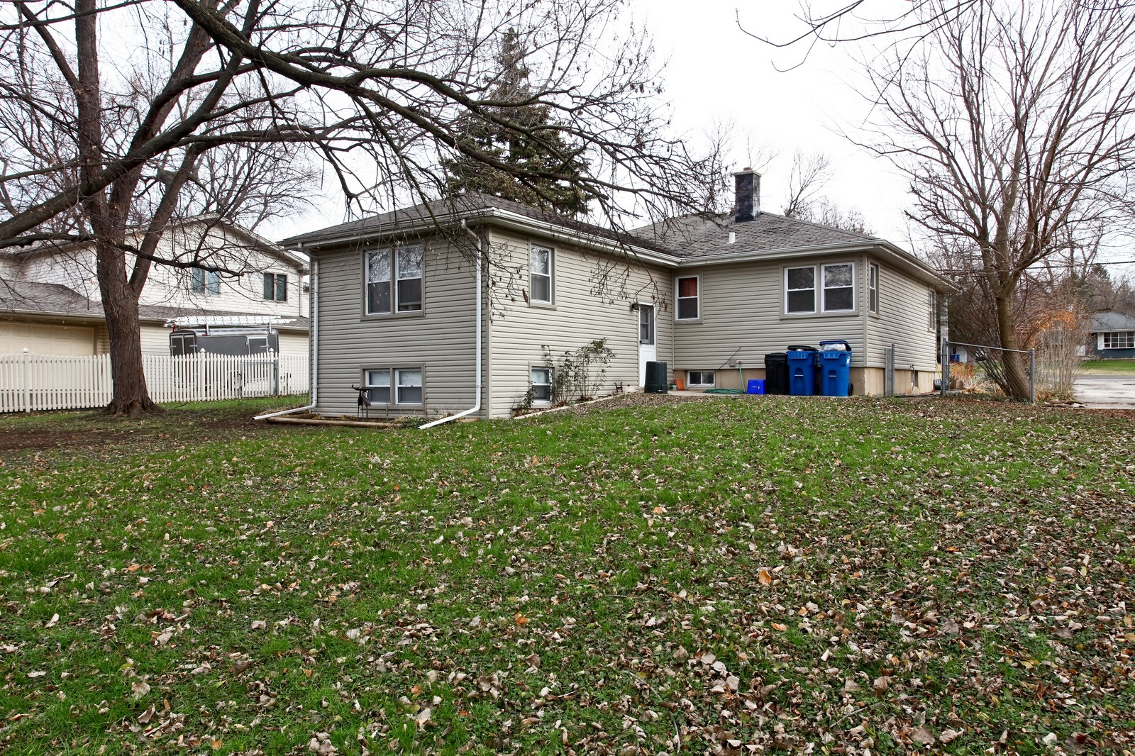 Real Estate Photography - 5710 Essex Rd, Lisle, IL, 60532 - Rear View