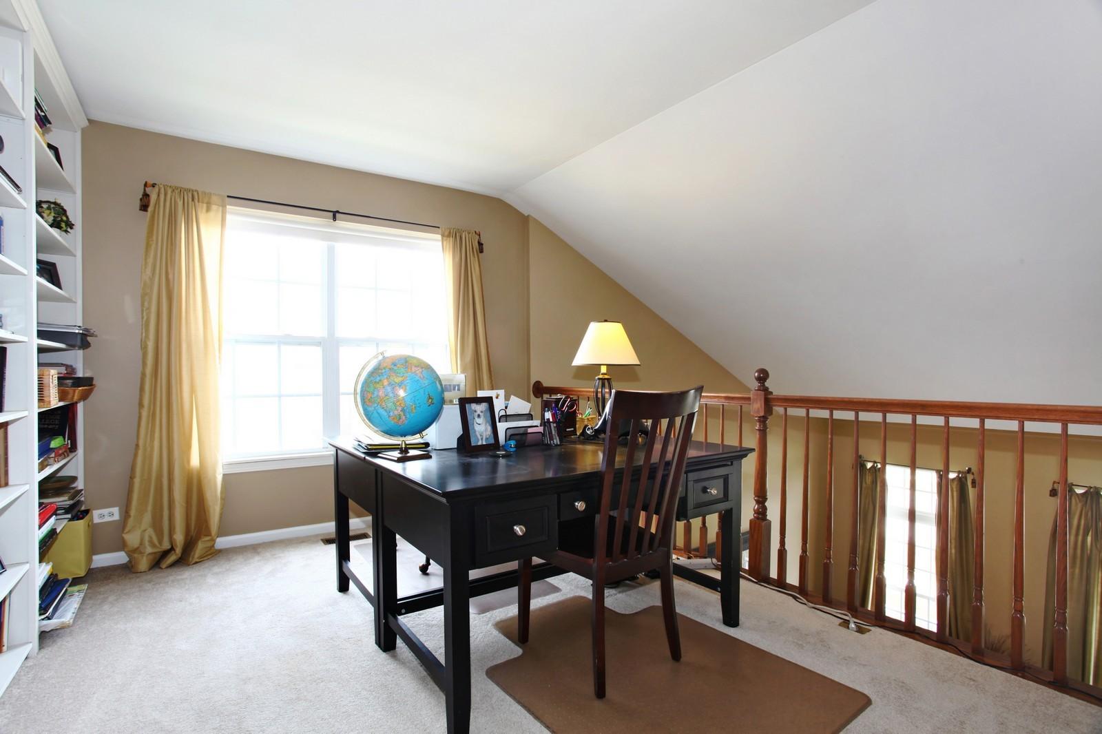 Real Estate Photography - 3298 Fieldstone Dr, Geneva, IL, 60134 - Loft