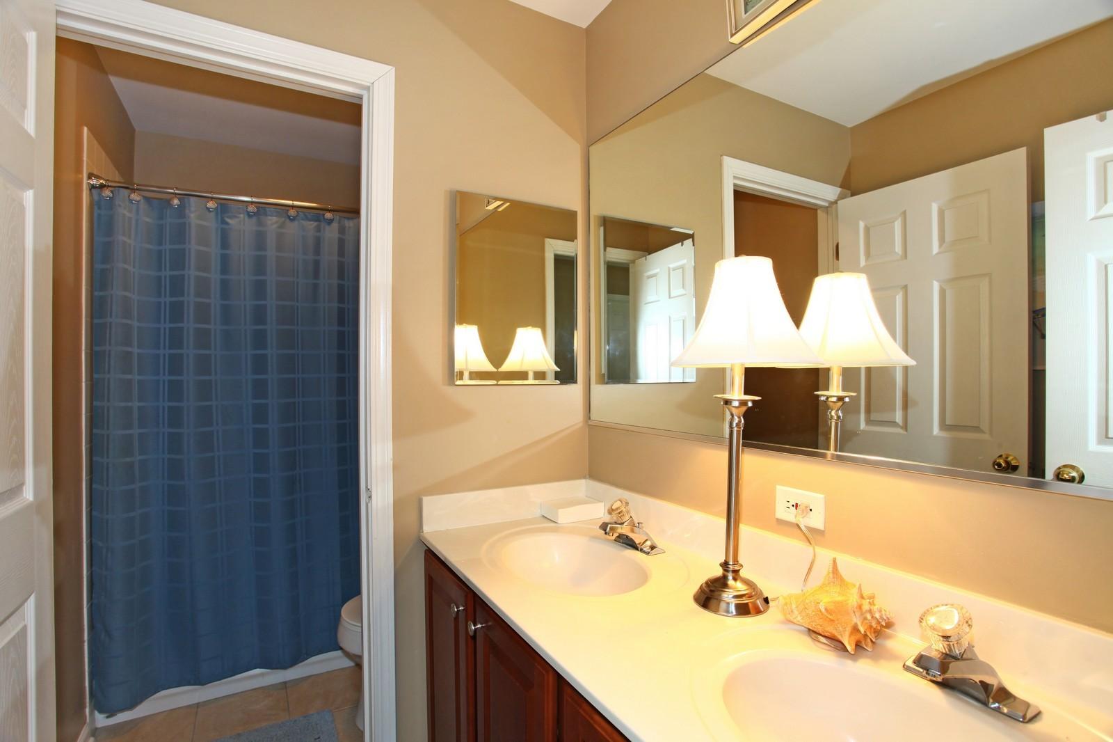 Real Estate Photography - 3298 Fieldstone Dr, Geneva, IL, 60134 - Bathroom