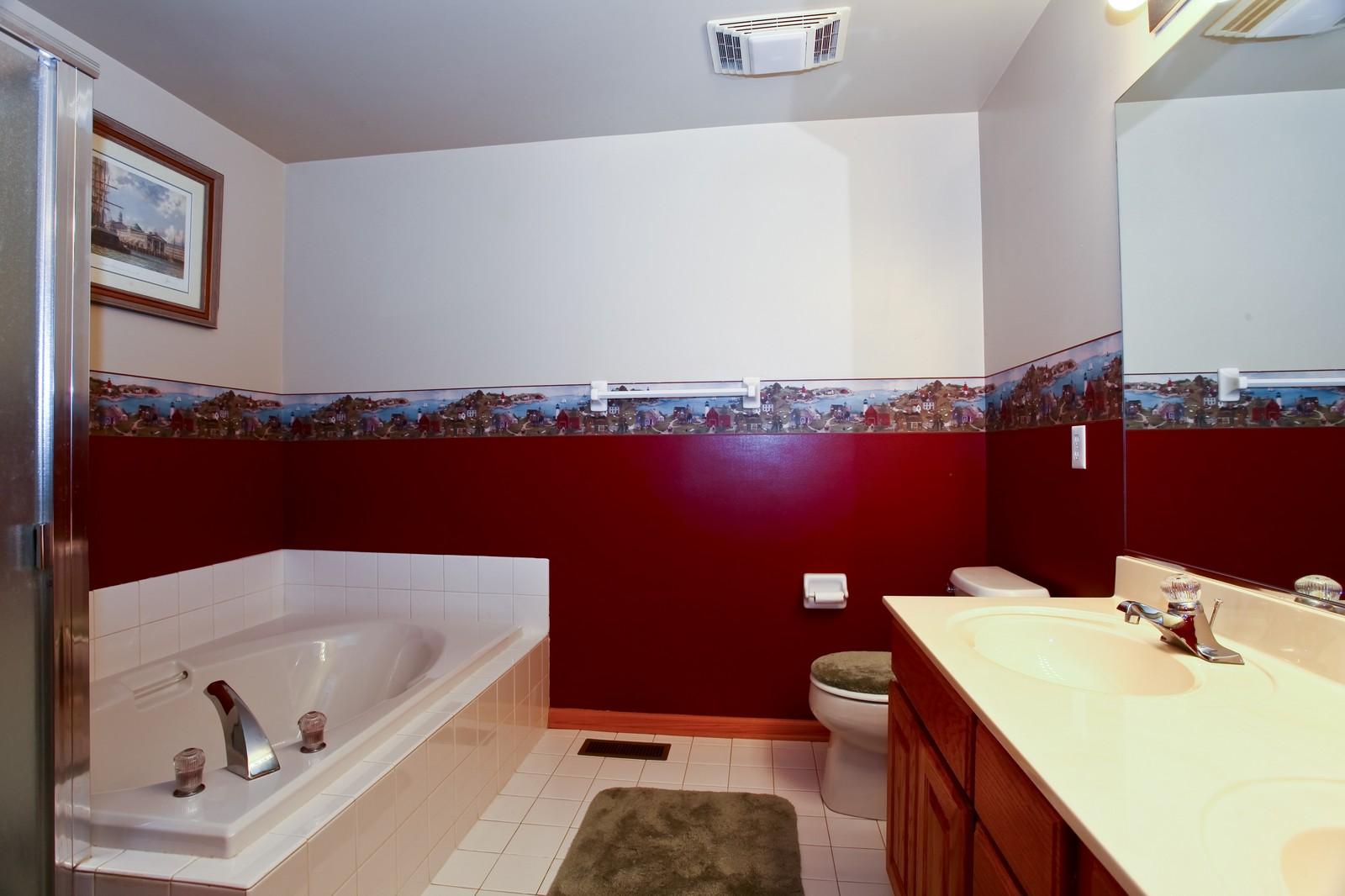 Real Estate Photography - 39W539 Schoolhouse Ln, Geneva, IL, 60134 - Master Bathroom