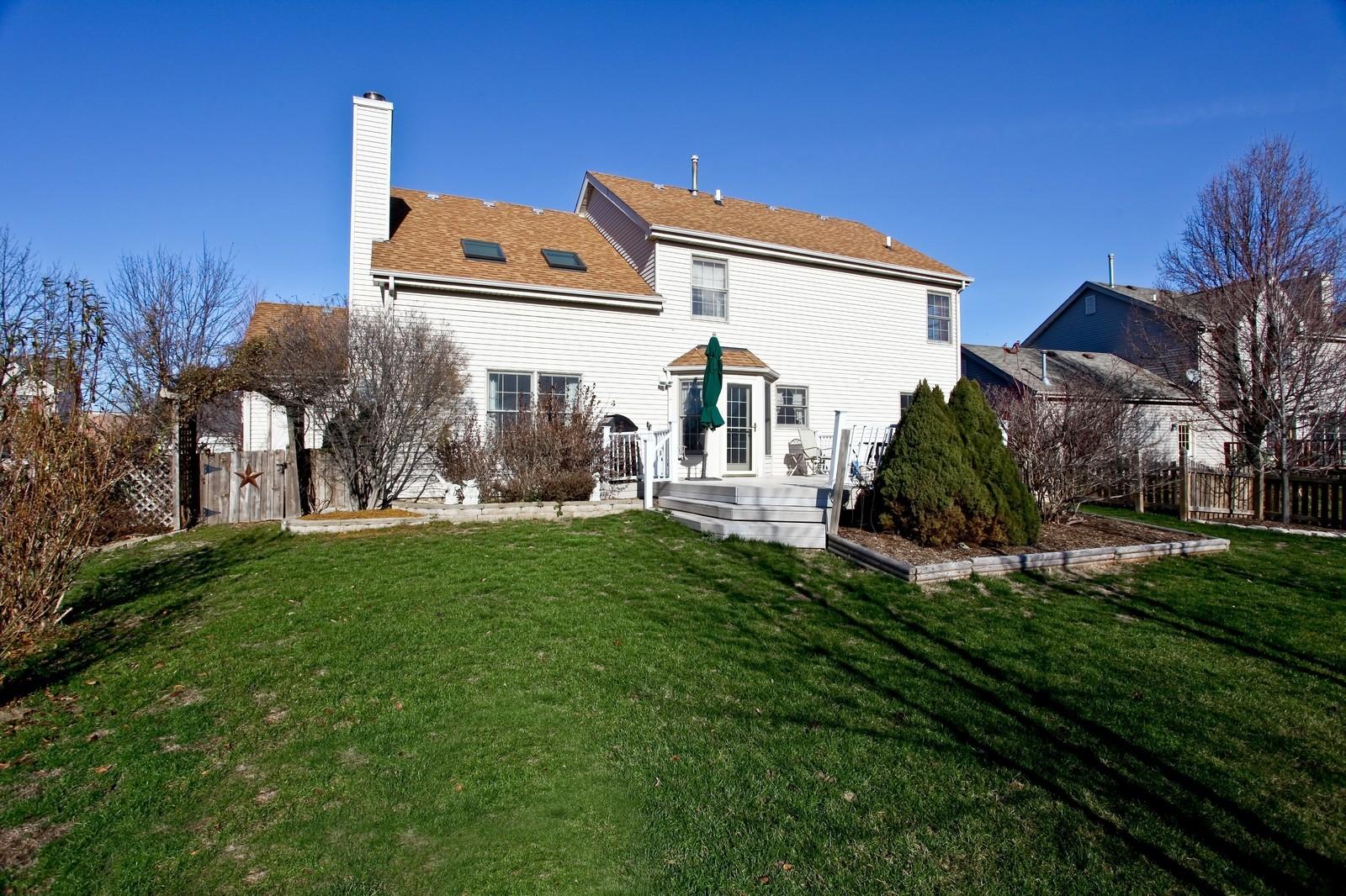 Real Estate Photography - 39W539 Schoolhouse Ln, Geneva, IL, 60134 - Rear View