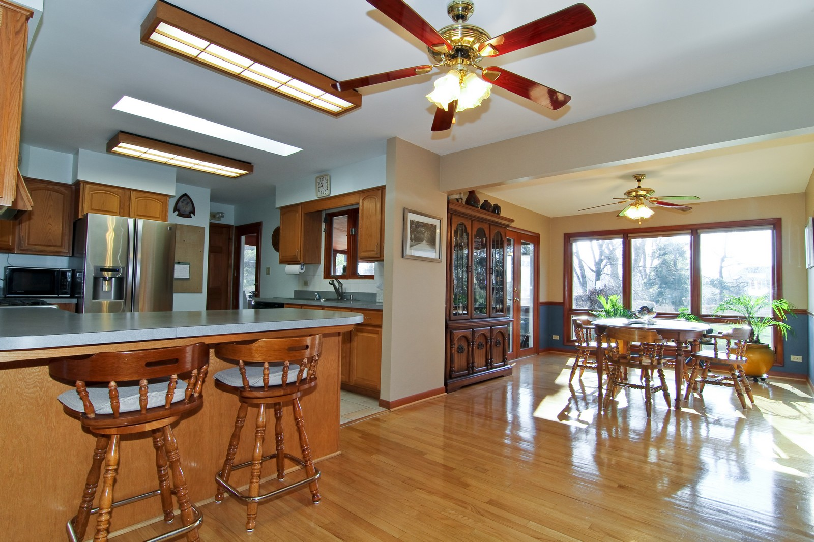 Real Estate Photography - 26W543 MacArthur, Carol Stream, IL, 60188 - Kitchen/Dining Room