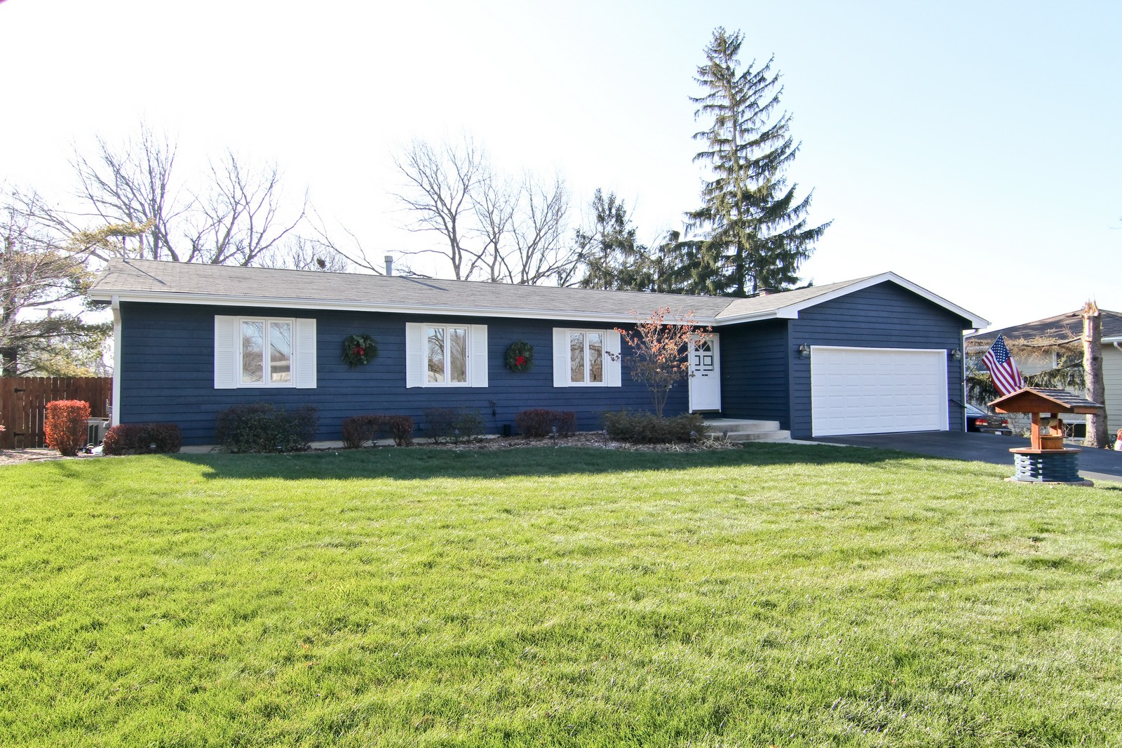 Real Estate Photography - 26W543 MacArthur, Carol Stream, IL, 60188 - Front View