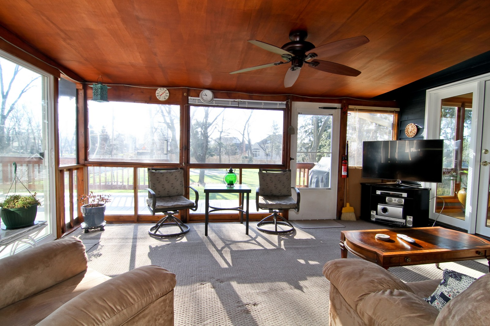 Real Estate Photography - 26W543 MacArthur, Carol Stream, IL, 60188 - Sun Room