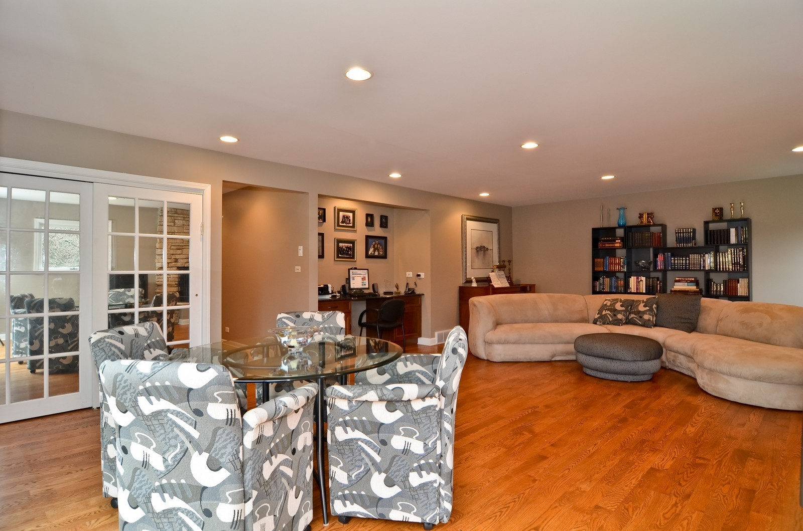 Real Estate Photography - 4220 Greenwood ST, Skokie, IL, 60076 - Location 1