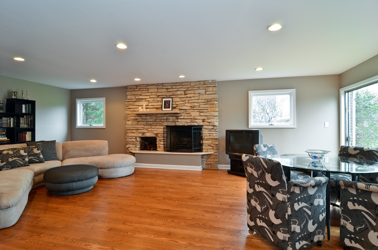 Real Estate Photography - 4220 Greenwood ST, Skokie, IL, 60076 - Family Room