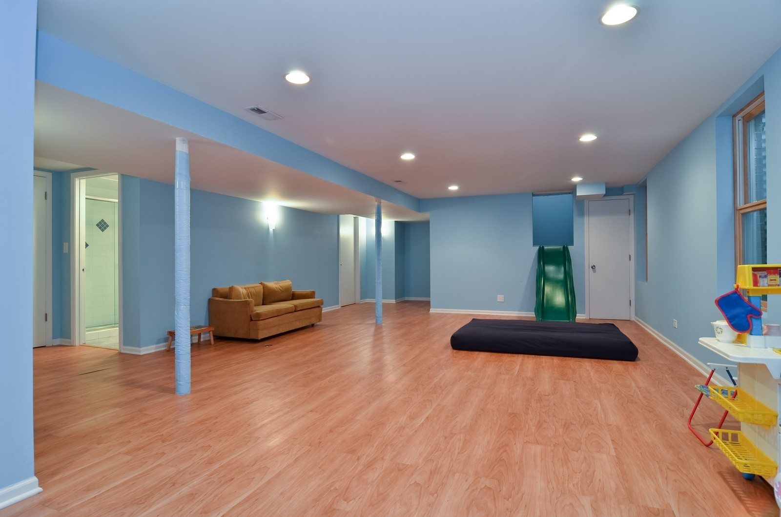 Real Estate Photography - 4220 Greenwood ST, Skokie, IL, 60076 - Play / Recreational Room