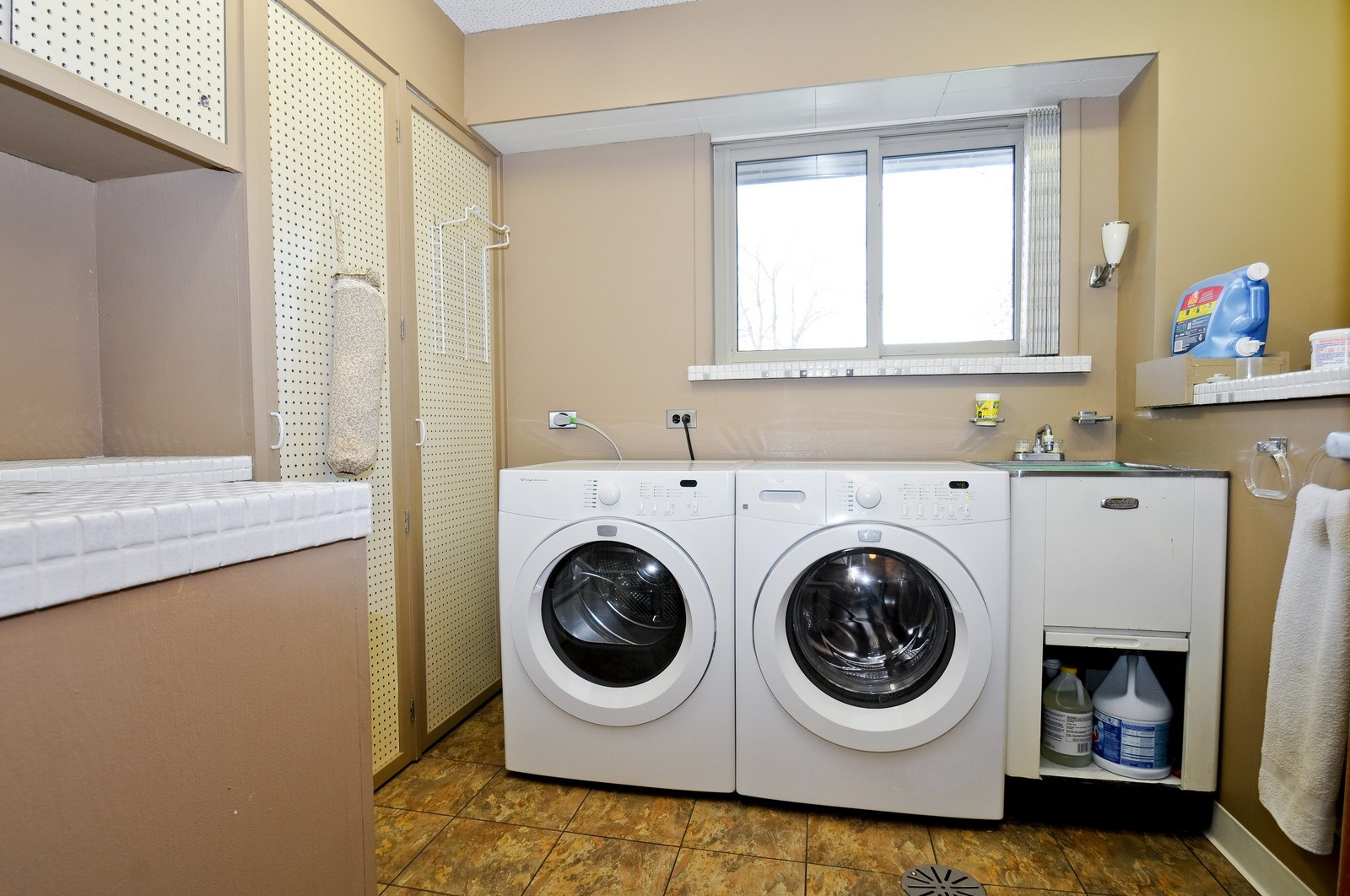 Real Estate Photography - 666 Birch Ln, Olympia Fields, IL, 60461 - Laundry Room w/Extra Storage & Counter Space