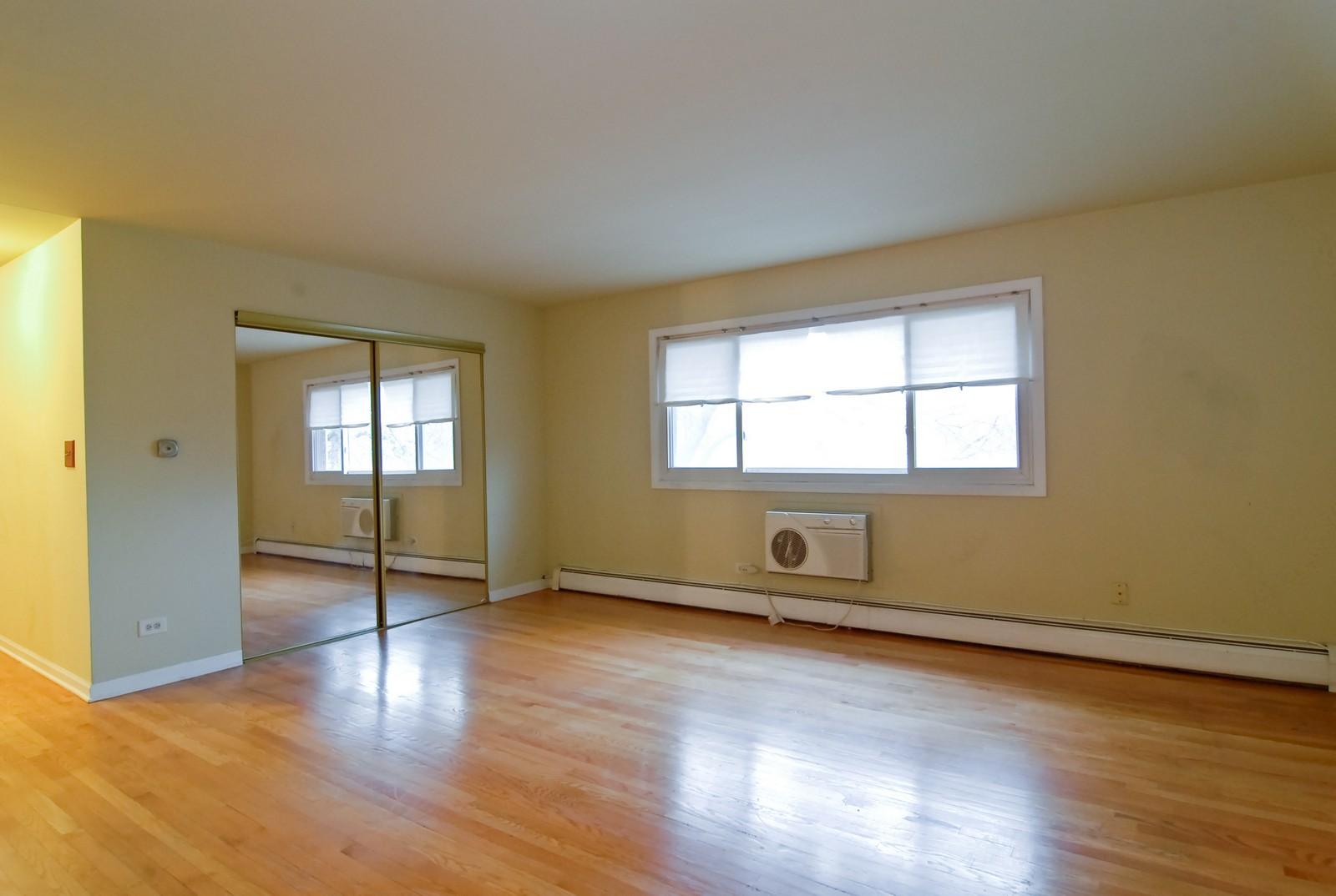 Real Estate Photography - 800 Washington Blvd, Unit 402, Oak Park, IL, 60302 - Living Room