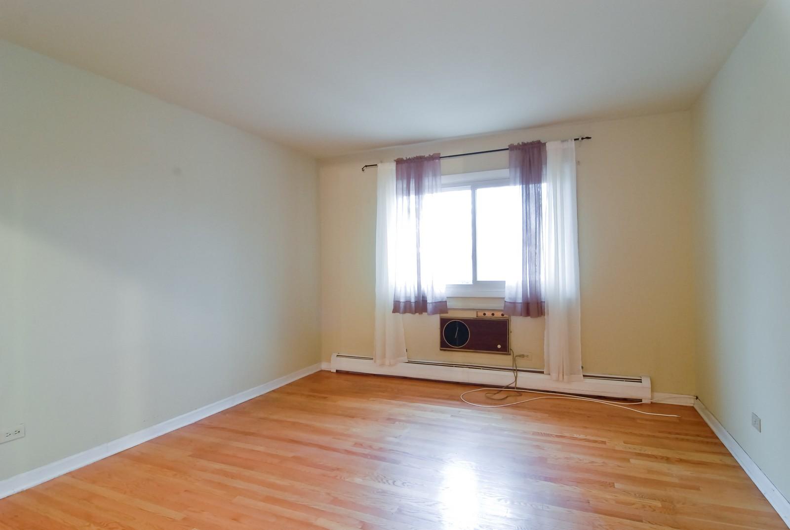 Real Estate Photography - 800 Washington Blvd, Unit 402, Oak Park, IL, 60302 - Master Bedroom