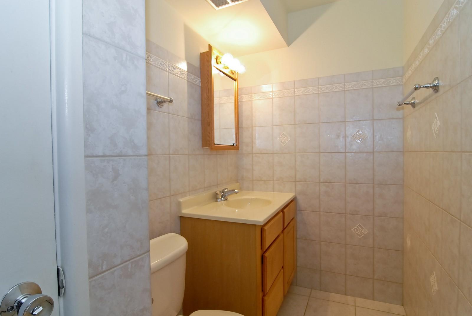 Real Estate Photography - 800 Washington Blvd, Unit 402, Oak Park, IL, 60302 - Bathroom