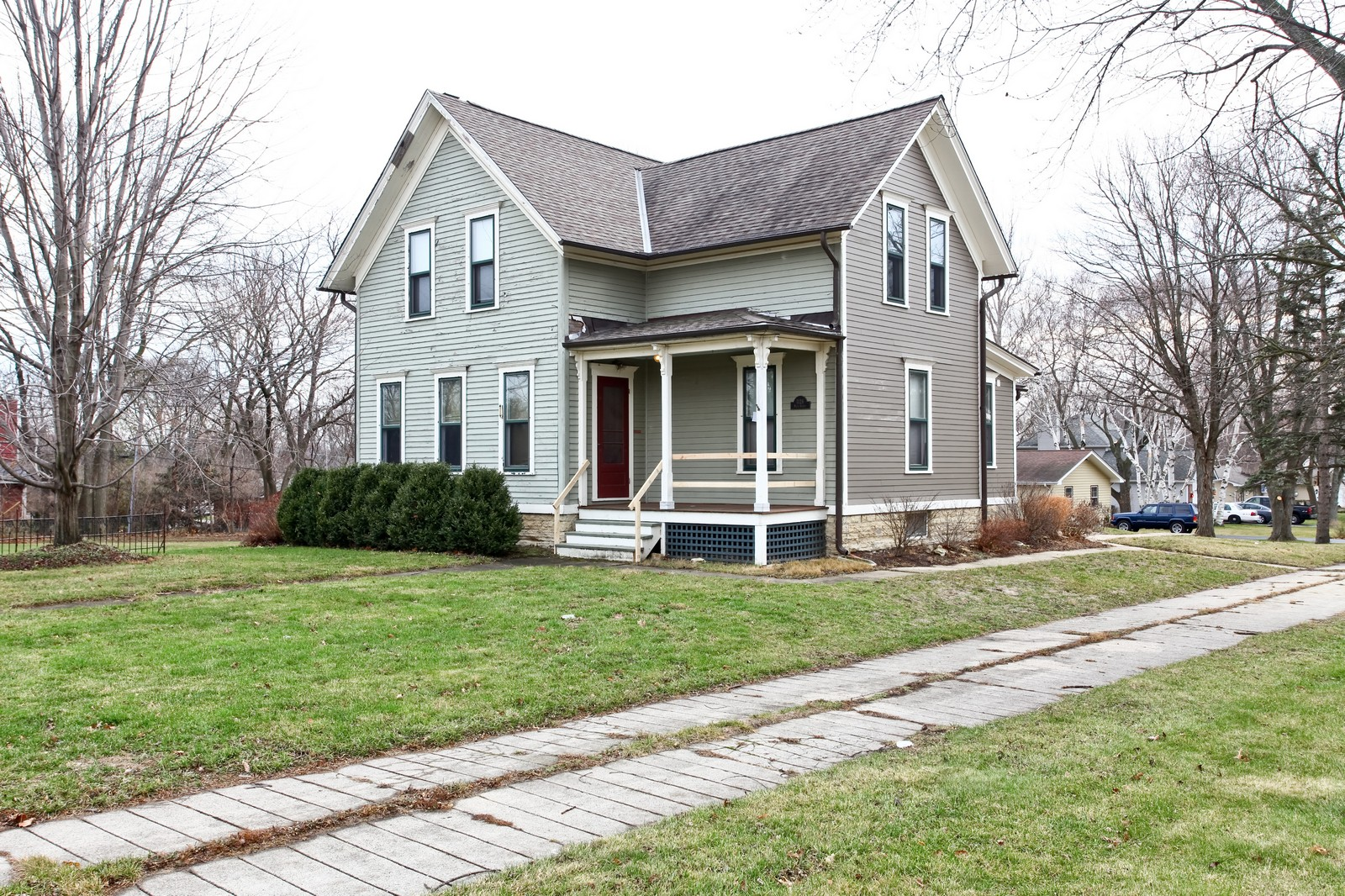 Real Estate Photography - 1126 Main St, Batavia, IL, 60510 - Front View