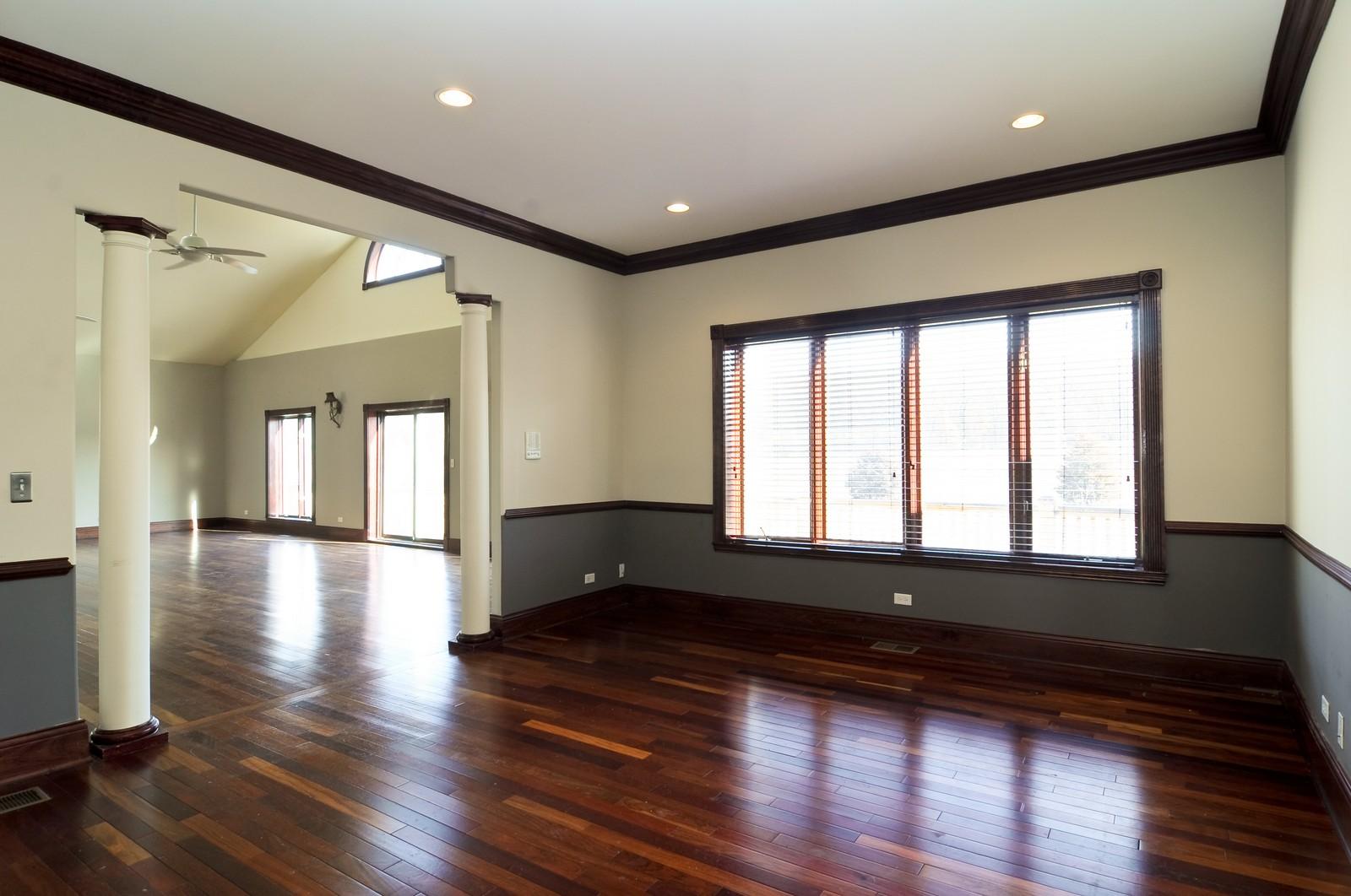 Real Estate Photography - 8 Raintree Place, Barrington Hills, IL, 60010 - Living Room