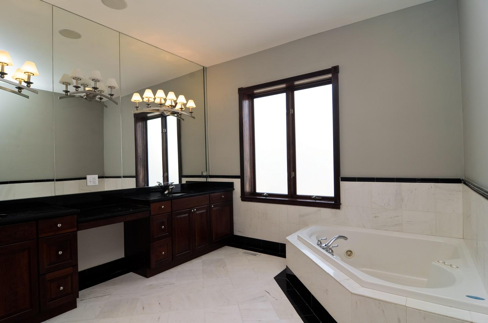 Real Estate Photography - 8 Raintree Place, Barrington Hills, IL, 60010 - Master Bathroom