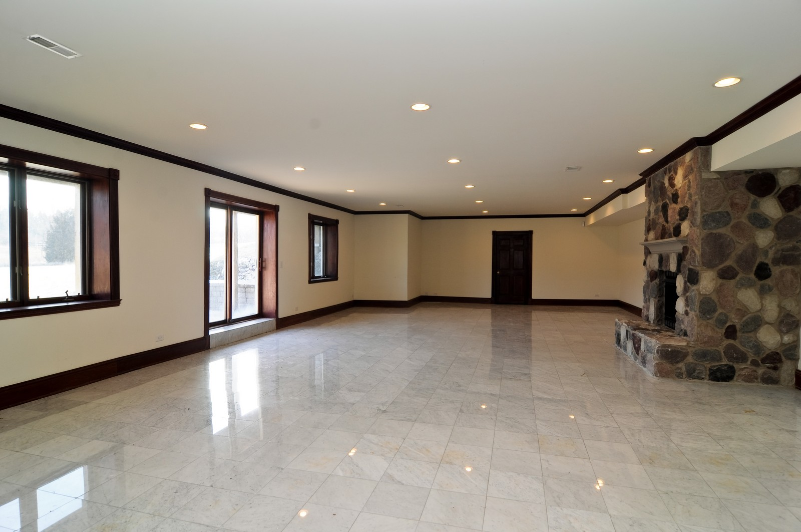 Real Estate Photography - 8 Raintree Place, Barrington Hills, IL, 60010 - Basement