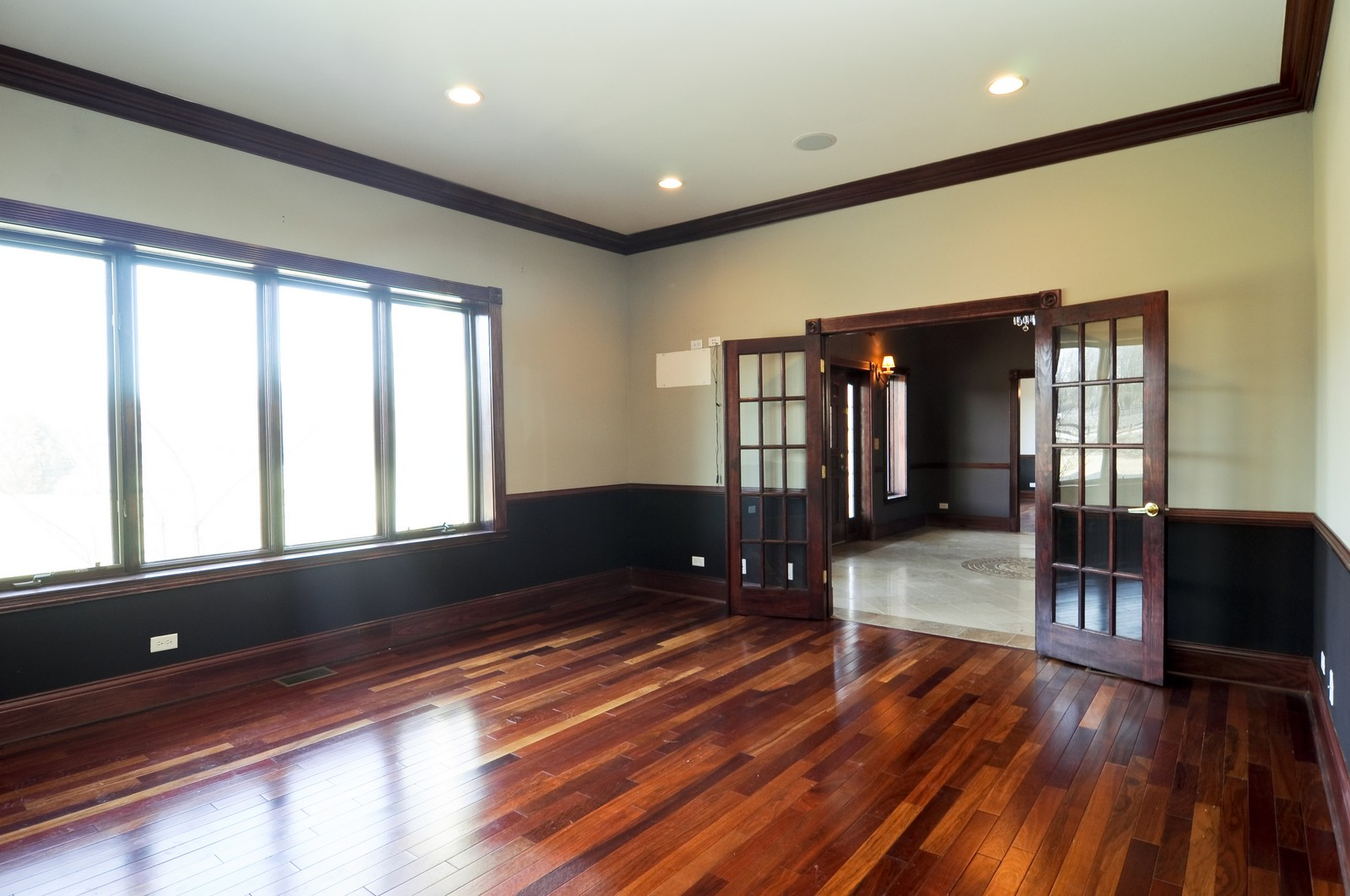 Real Estate Photography - 8 Raintree Place, Barrington Hills, IL, 60010 - Office