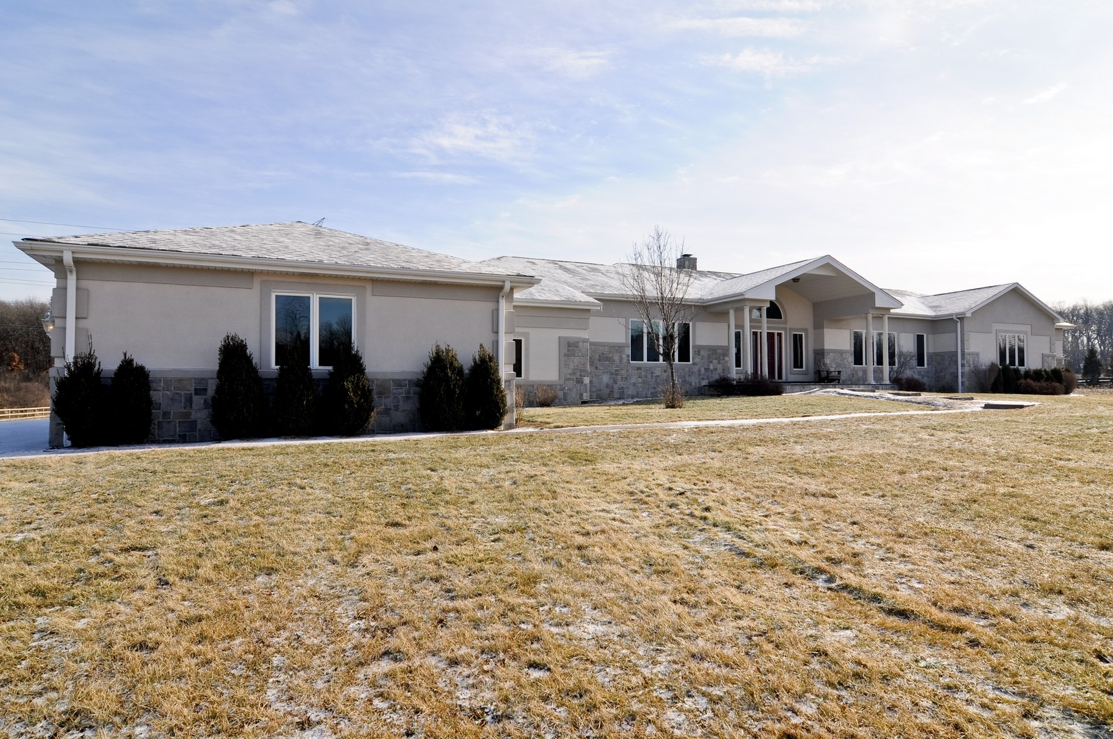 Real Estate Photography - 8 Raintree Place, Barrington Hills, IL, 60010 - Front View