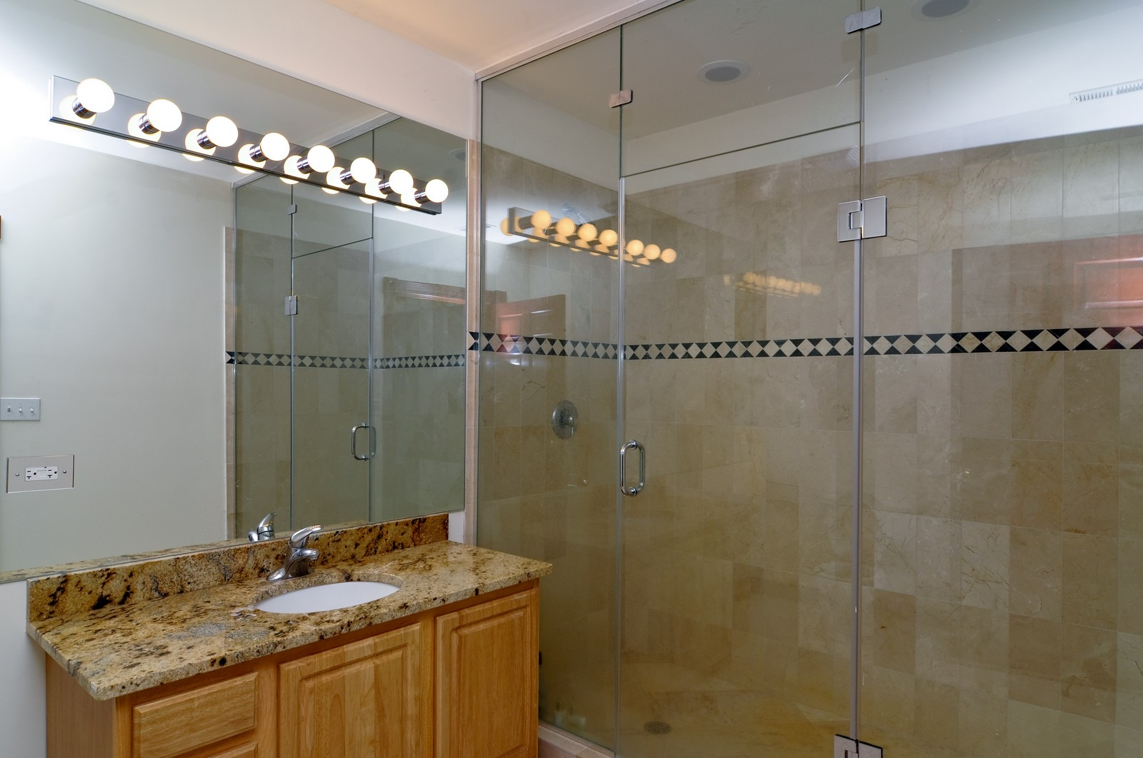 Real Estate Photography - 8 Raintree Place, Barrington Hills, IL, 60010 - Bathroom
