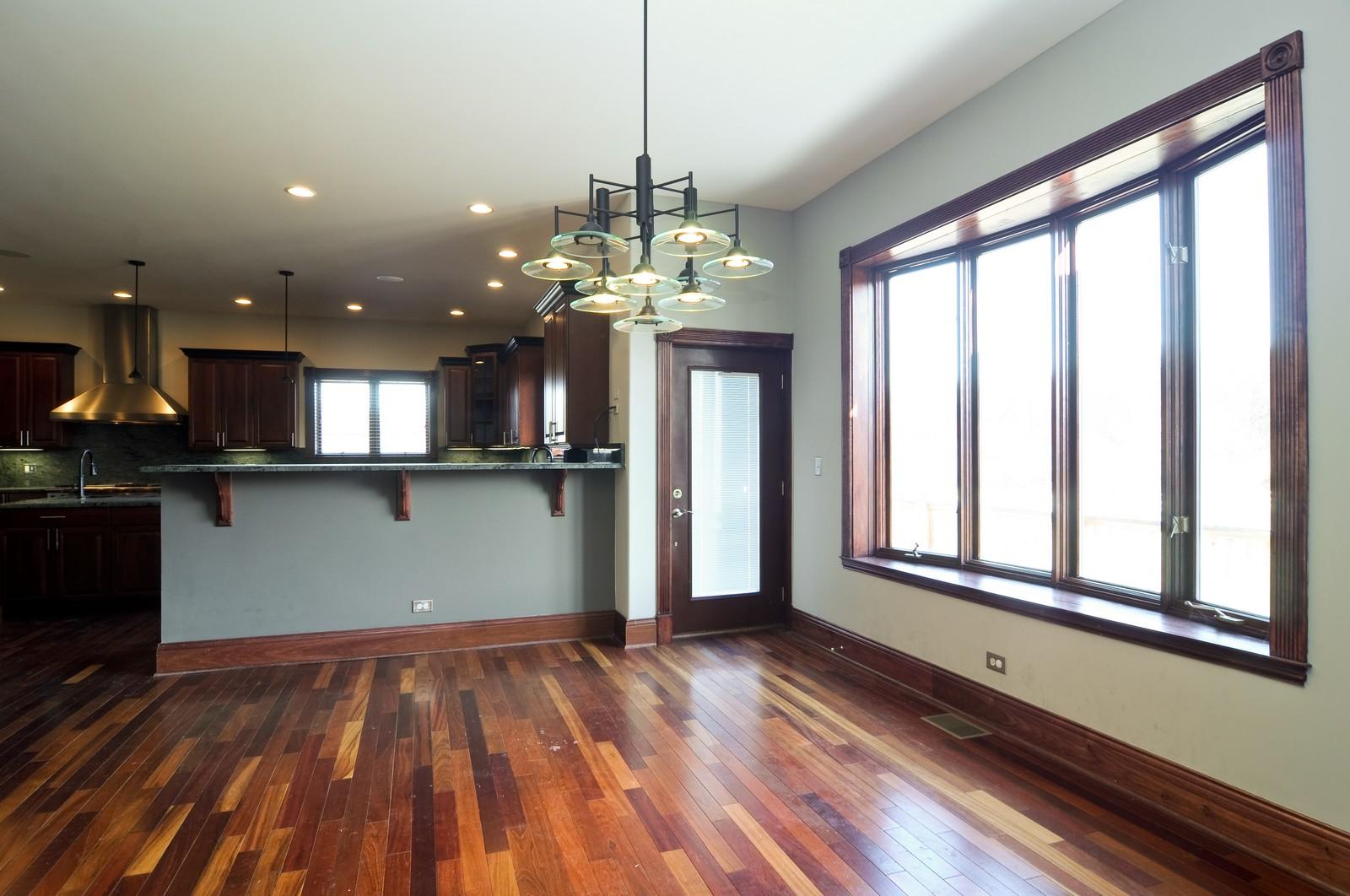 Real Estate Photography - 8 Raintree Place, Barrington Hills, IL, 60010 - Breakfast Nook