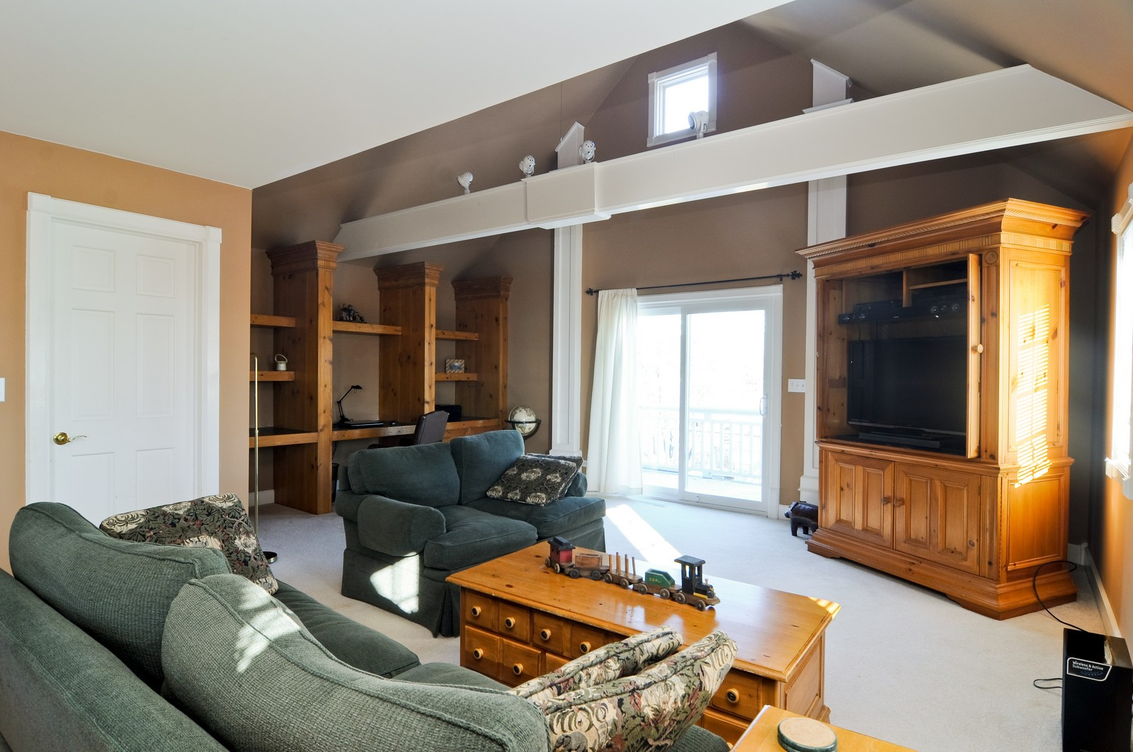 Real Estate Photography - 21086 W Sylvan Dr, Mundelein, IL, 60060 - Bonus Room