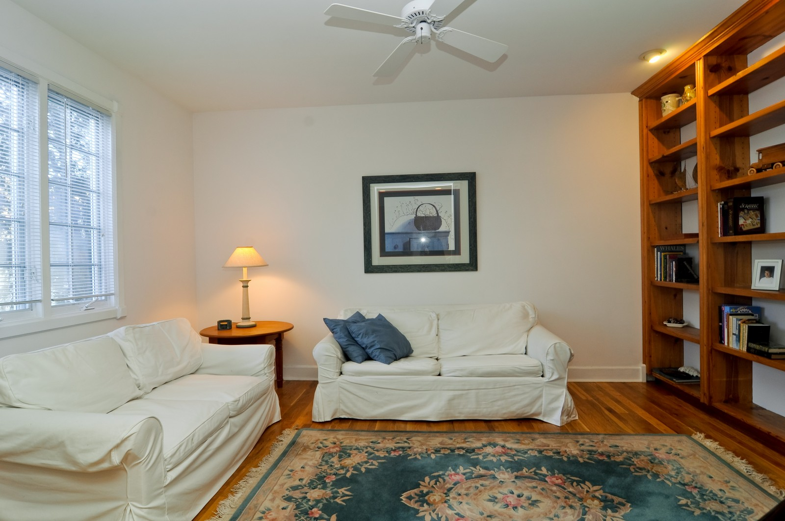 Real Estate Photography - 21086 W Sylvan Dr, Mundelein, IL, 60060 - Family Room