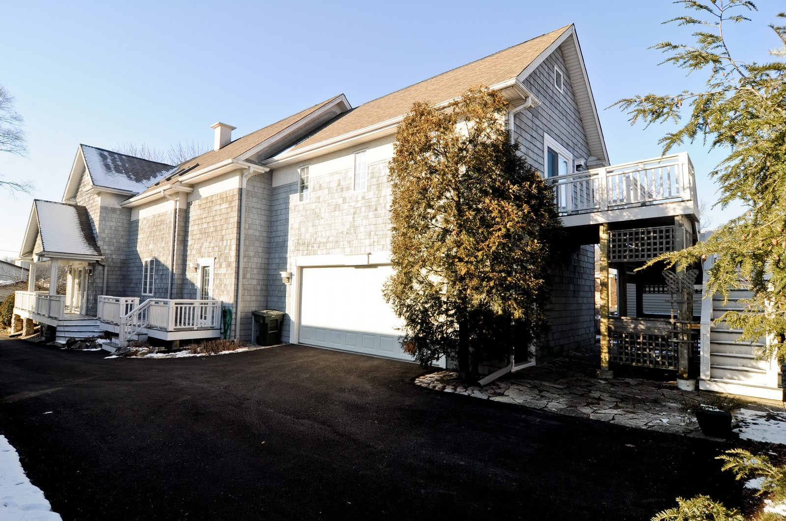 Real Estate Photography - 21086 W Sylvan Dr, Mundelein, IL, 60060 - Rear View