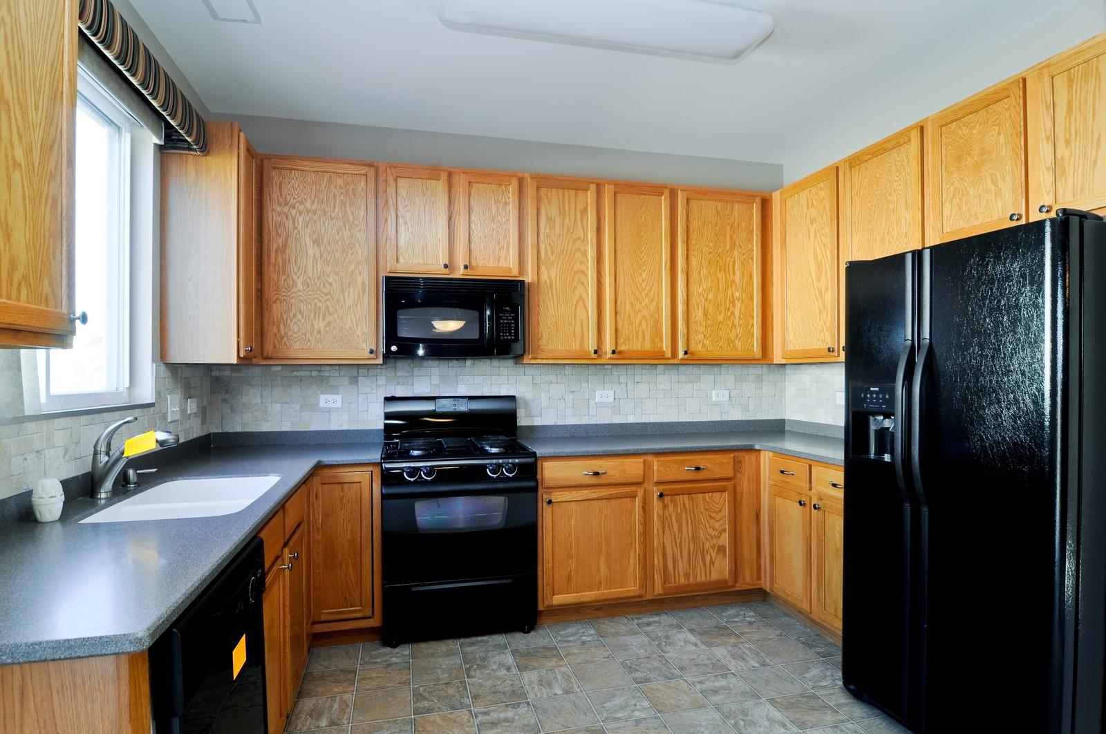 Real Estate Photography - 346 Terra Cir, Fox Lake, IL, 60020 - Kitchen