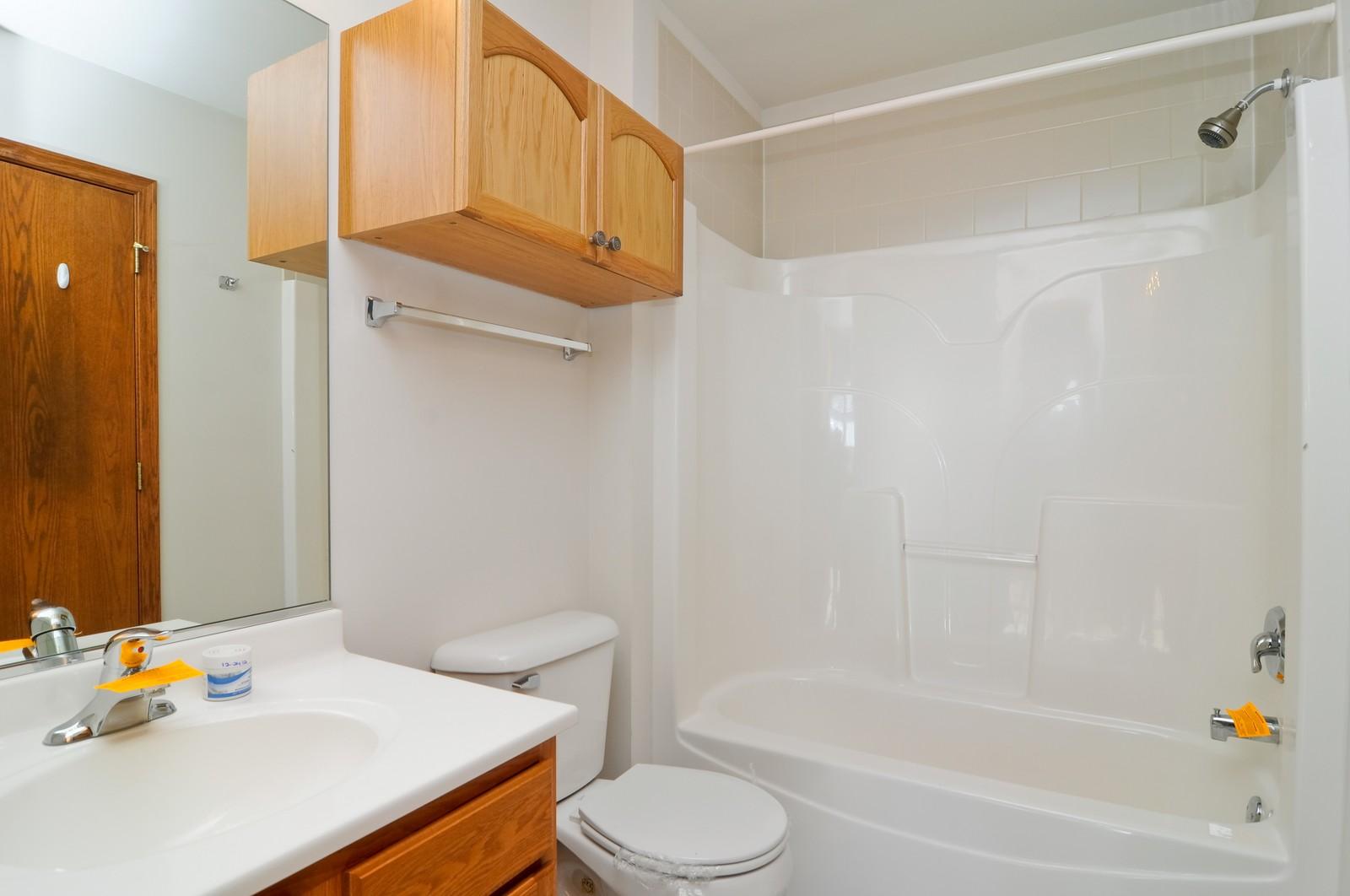 Real Estate Photography - 346 Terra Cir, Fox Lake, IL, 60020 - Bathroom