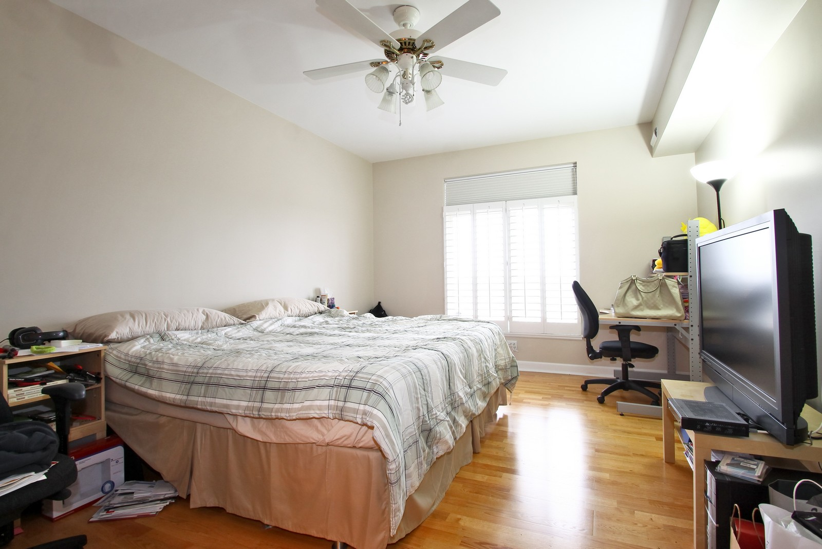 Real Estate Photography - 8400 Callie Ave, Unit 604, Morton Grove, IL, 60053 - Master Bedroom