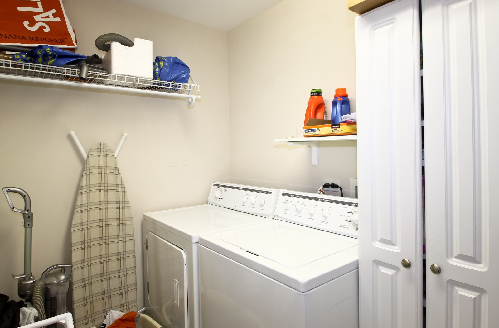 Real Estate Photography - 8400 Callie Ave, Unit 604, Morton Grove, IL, 60053 - Laundry Room