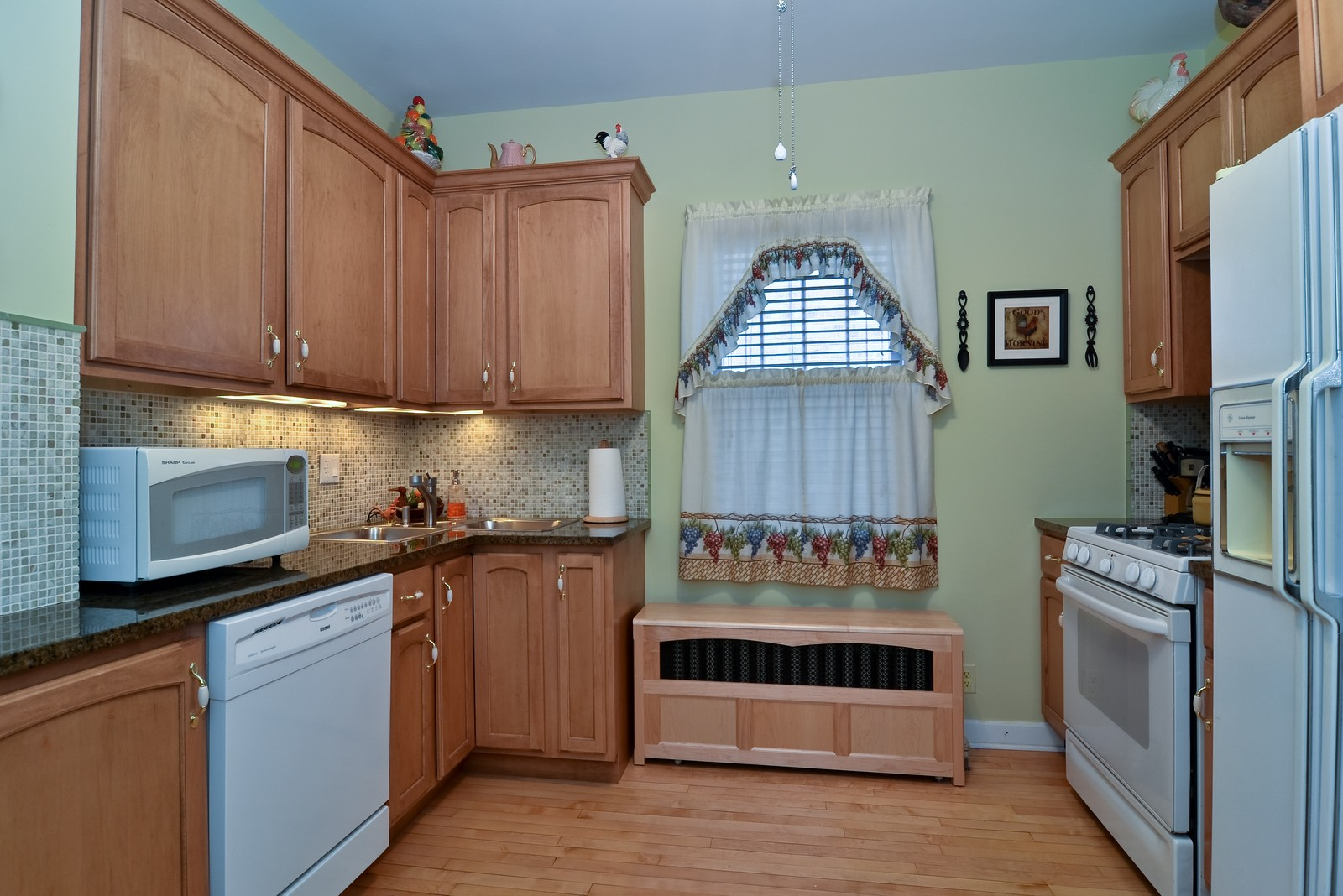 Real Estate Photography - 4808 W Gunnison, Chicago, IL, 60630 - Kitchen