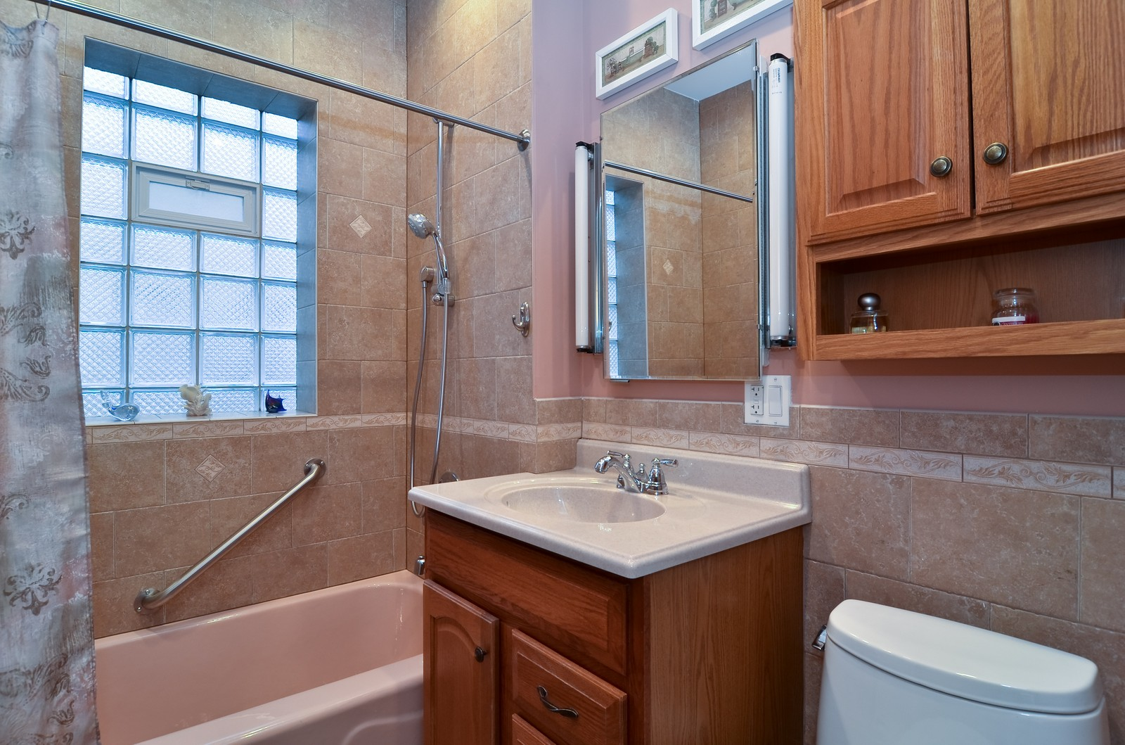Real Estate Photography - 4808 W Gunnison, Chicago, IL, 60630 - Bathroom