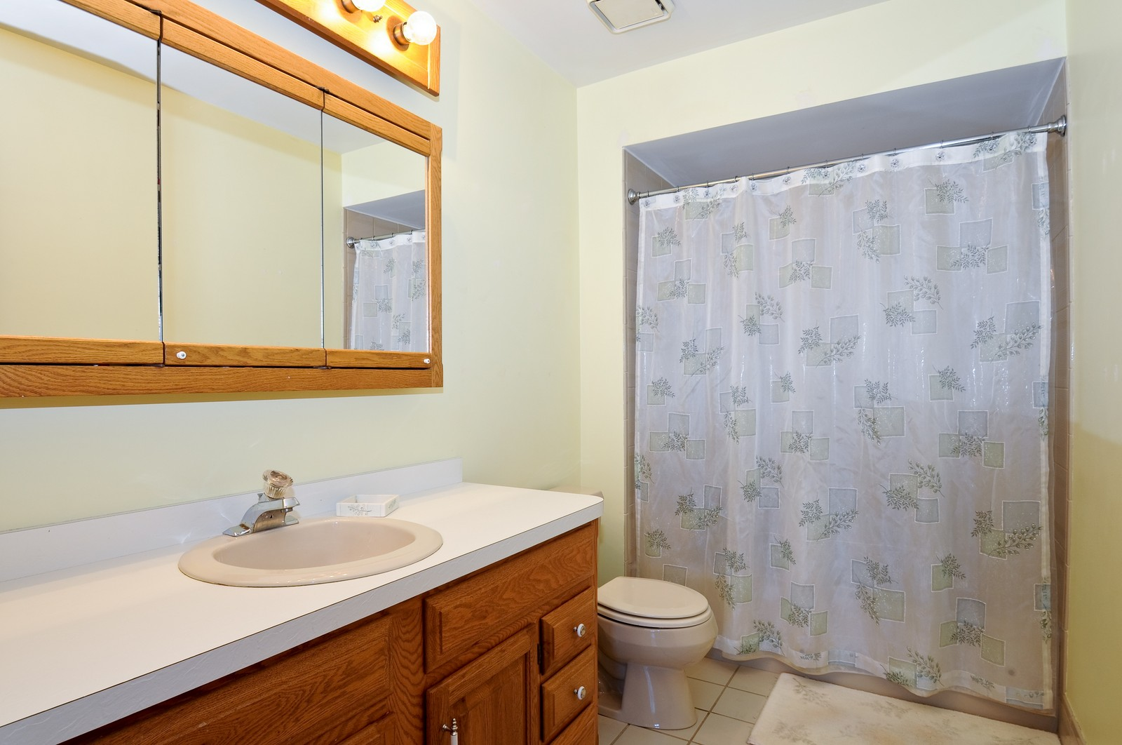 Real Estate Photography - 17197 Winding Creek Dr, Orland Park, IL, 60467 - Master Bathroom