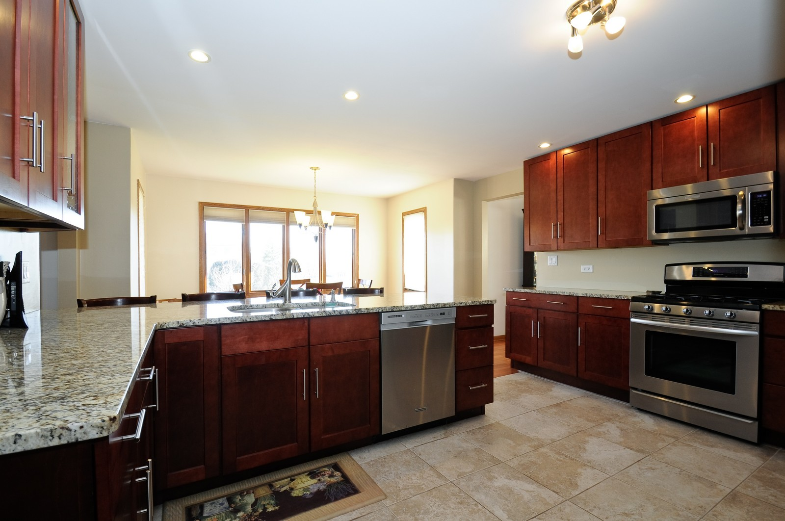 Real Estate Photography - 17197 Winding Creek Dr, Orland Park, IL, 60467 - Kitchen / Breakfast Room