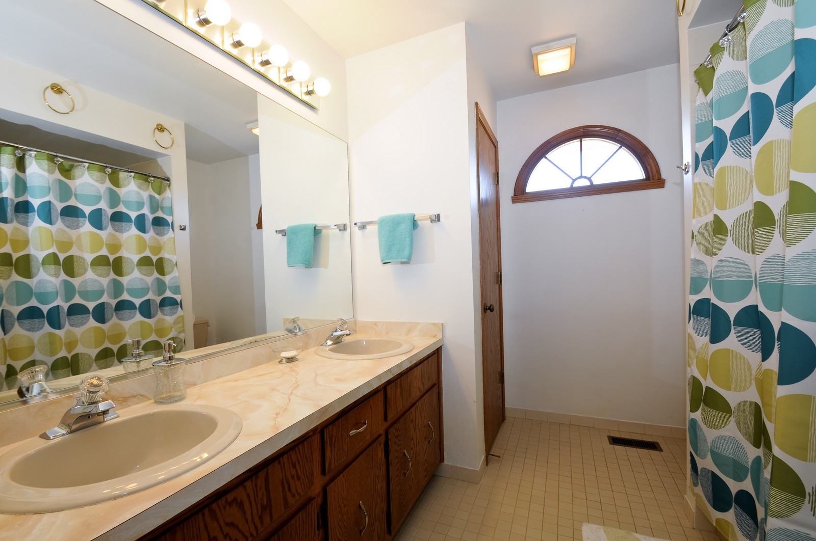 Real Estate Photography - 17197 Winding Creek Dr, Orland Park, IL, 60467 - Bathroom