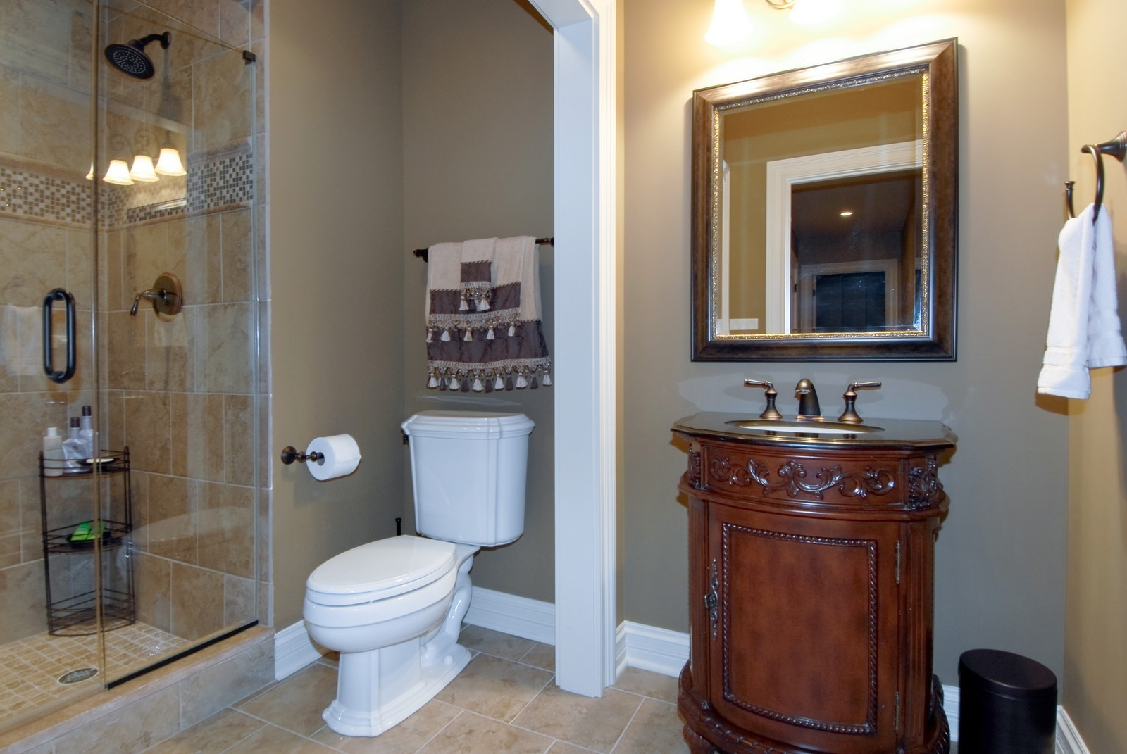 Real Estate Photography - 729 Wellner Dr, Naperville, IL, 60540 - Bathroom