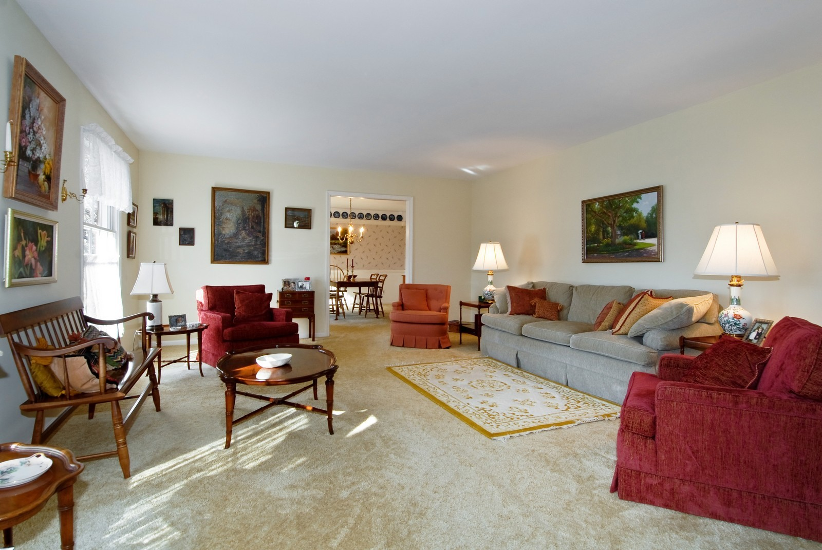 Real Estate Photography - 4N307 Knollcreek Dr, St Charles, IL, 60175 - Living Room