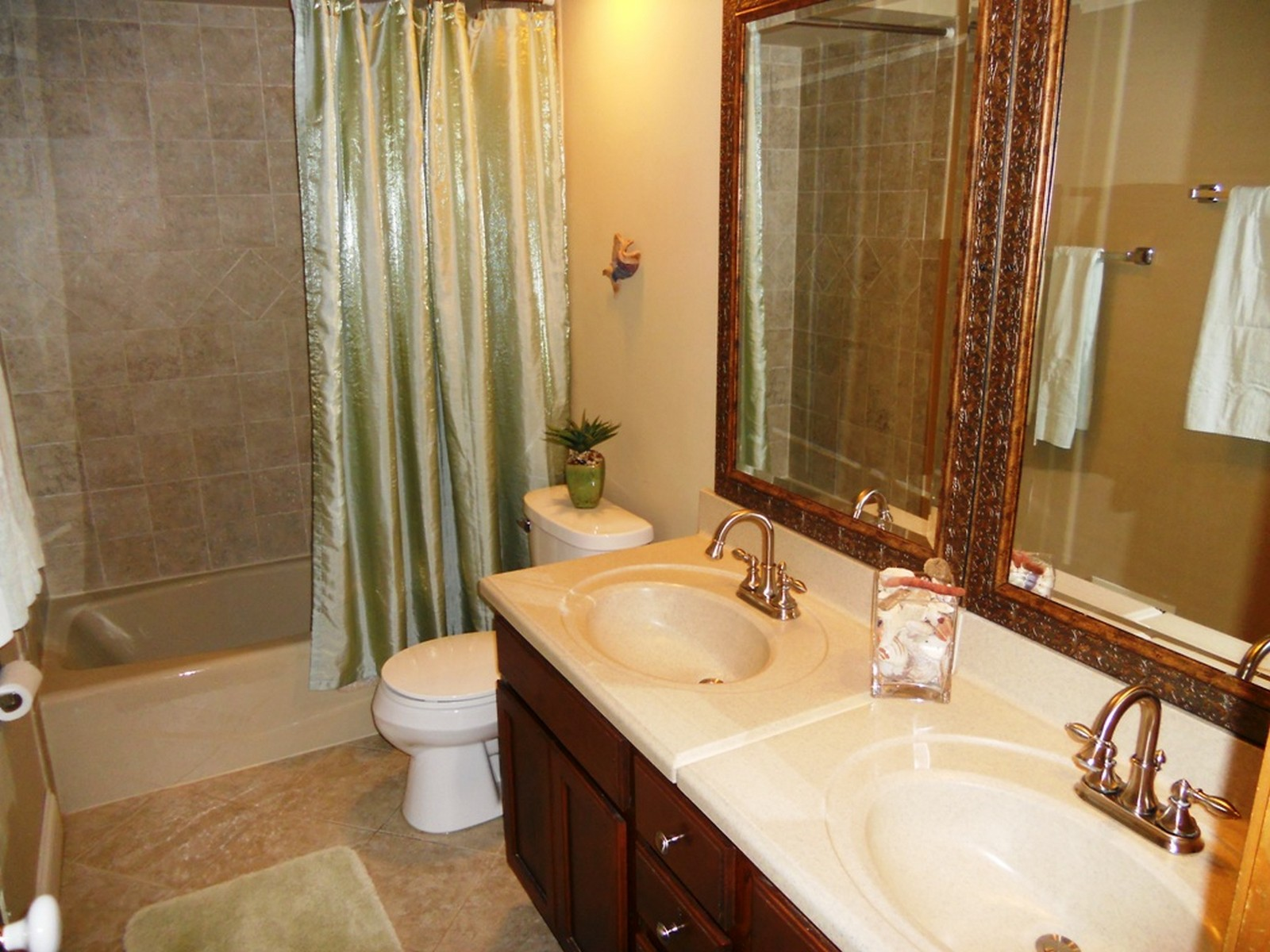 Real Estate Photography - 1244 Redfield Road, Naperville, IL, 60563 - Upstairs Hall Bath