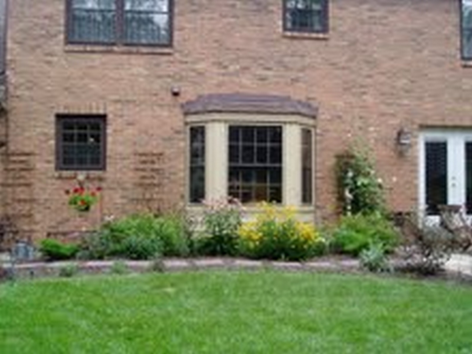 Real Estate Photography - 1244 Redfield Road, Naperville, IL, 60563 - Summer Gardens