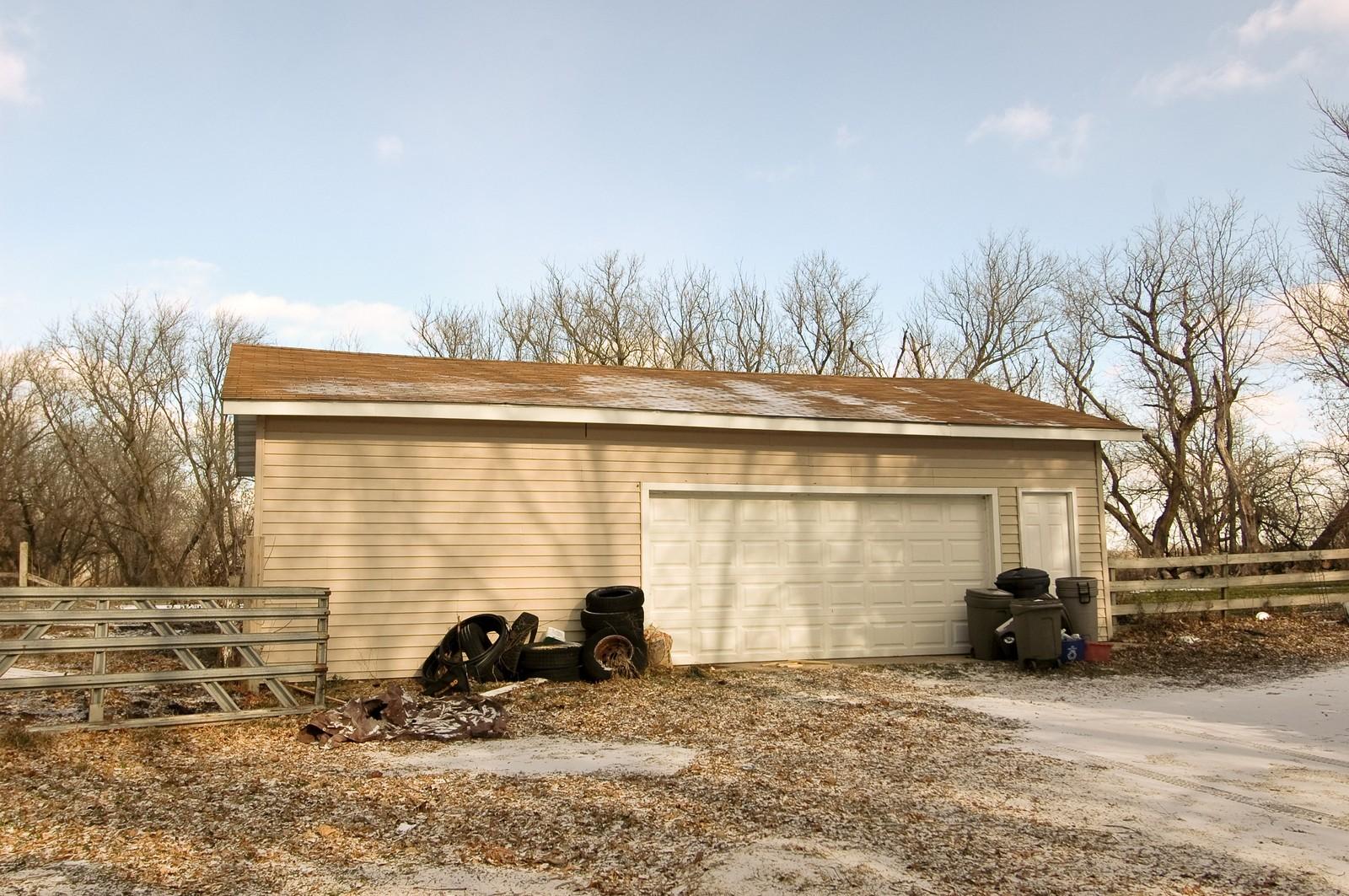 Real Estate Photography - 6714 Barnard Mill Road, Ringwood, IL, 60072 - Garage